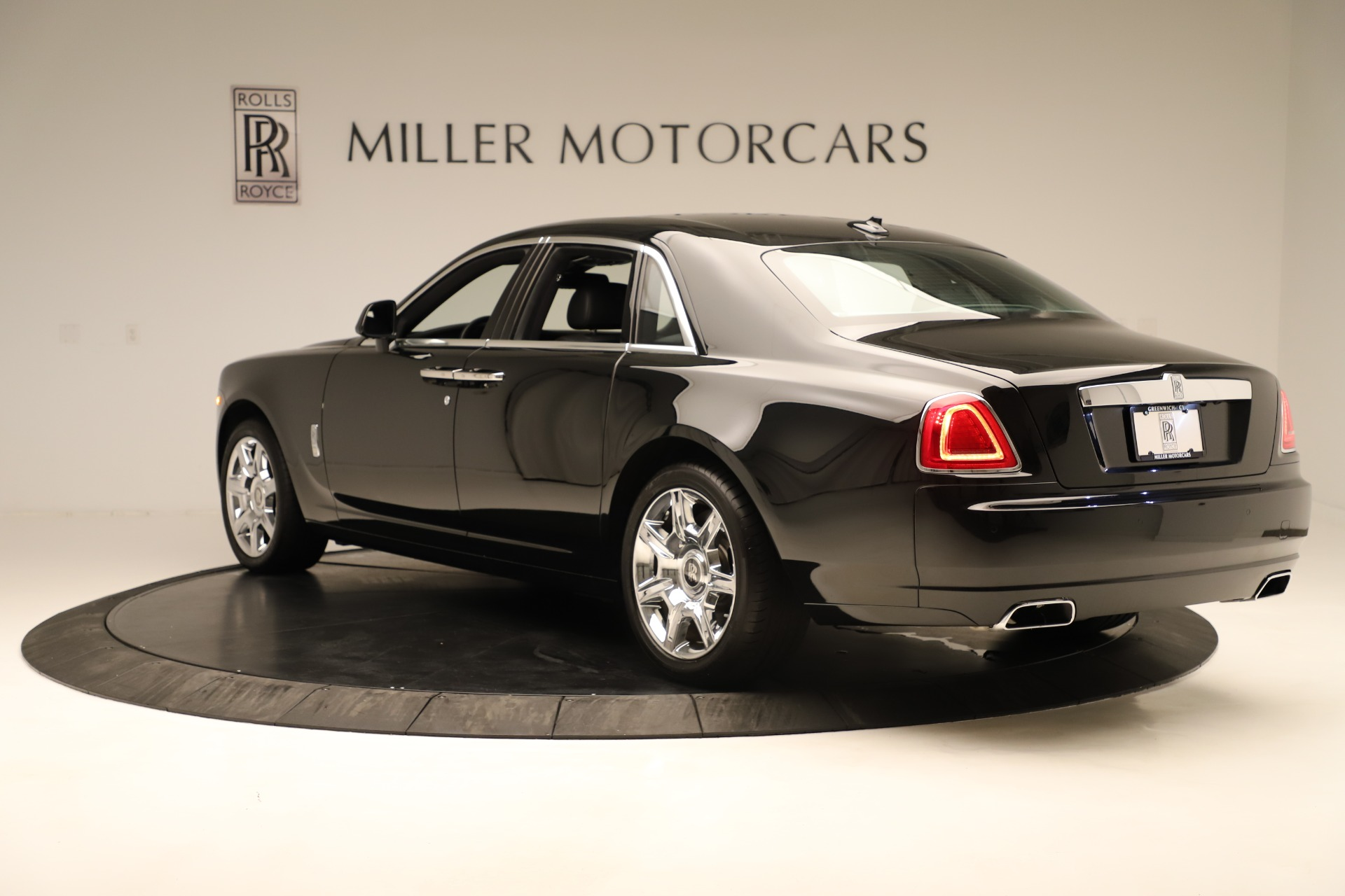 Used 2016 Rolls-Royce Ghost  For Sale In Westport, CT 3298_p5