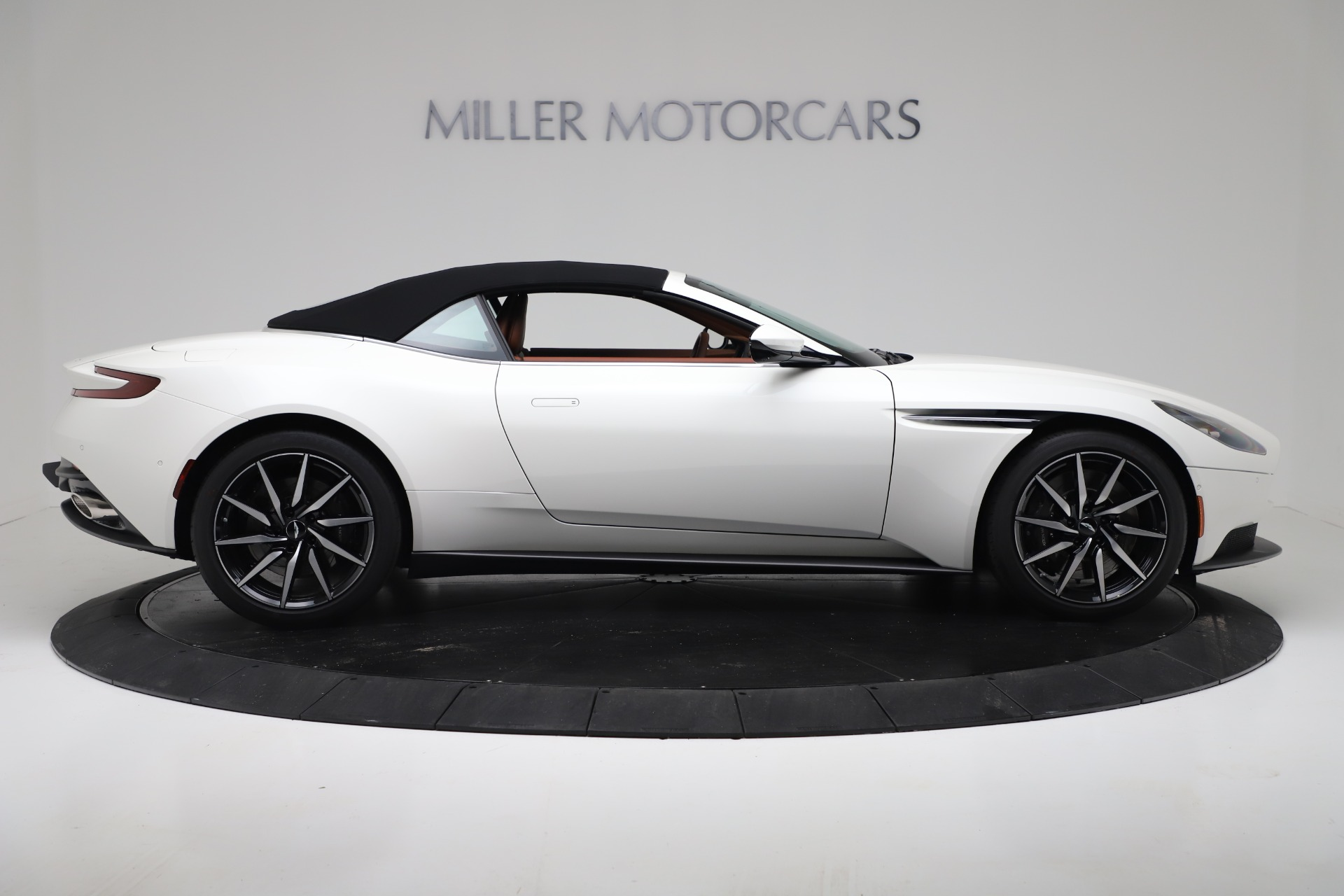 New 2019 Aston Martin DB11 V8 Convertible For Sale In Westport, CT 3344_p17