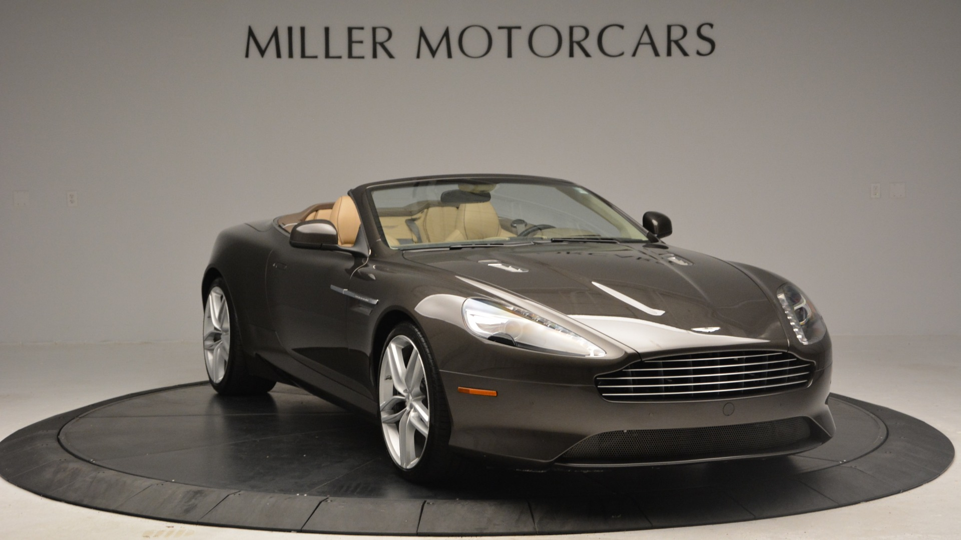 Used 2012 Aston Martin Virage Convertible For Sale In Westport, CT 3351_p11