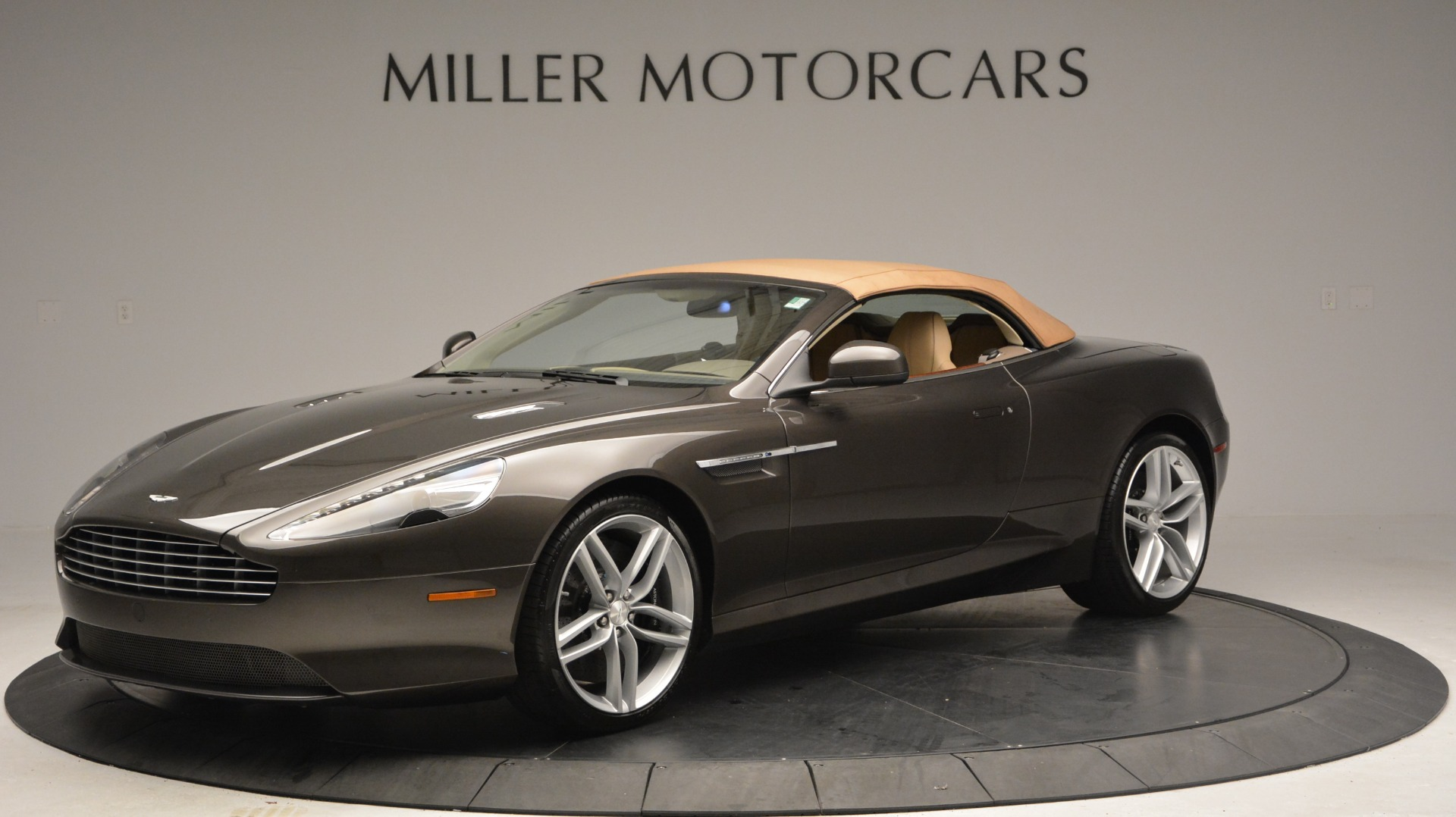Used 2012 Aston Martin Virage Convertible For Sale In Westport, CT 3351_p15