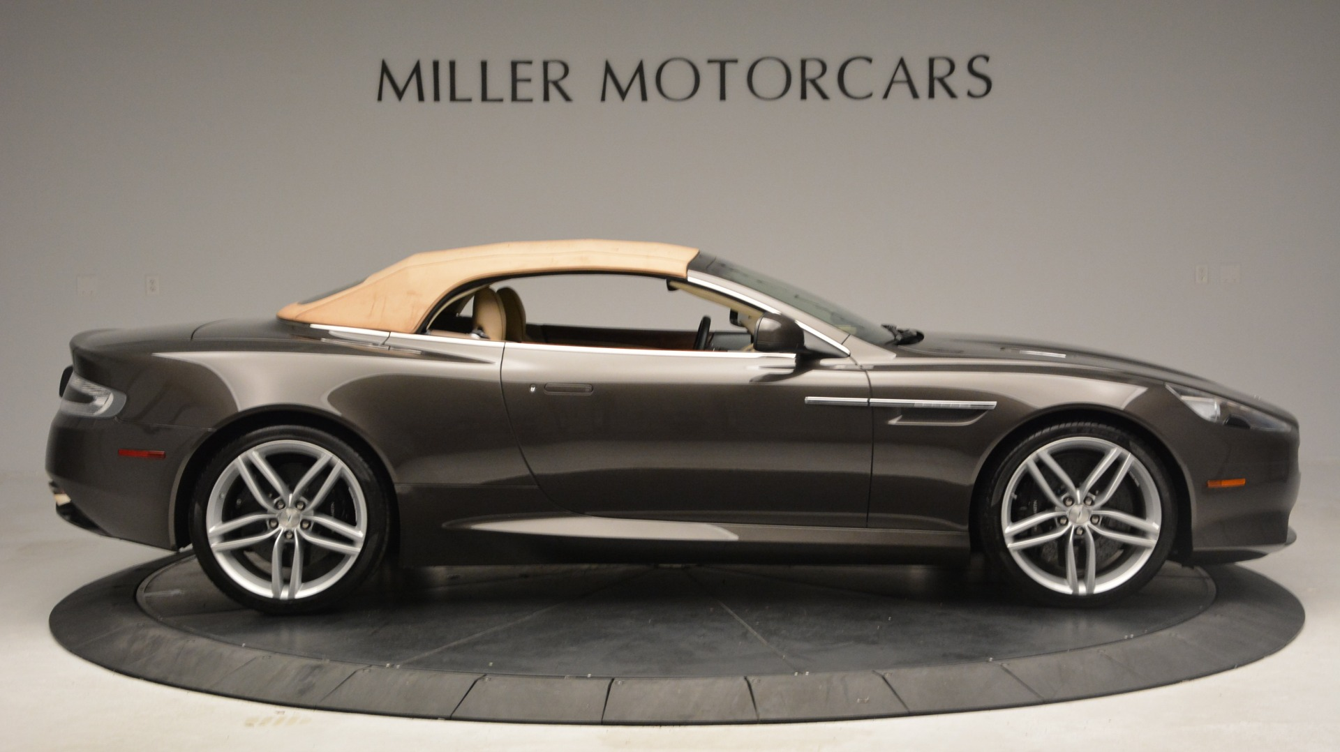 Used 2012 Aston Martin Virage Convertible For Sale In Westport, CT 3351_p18