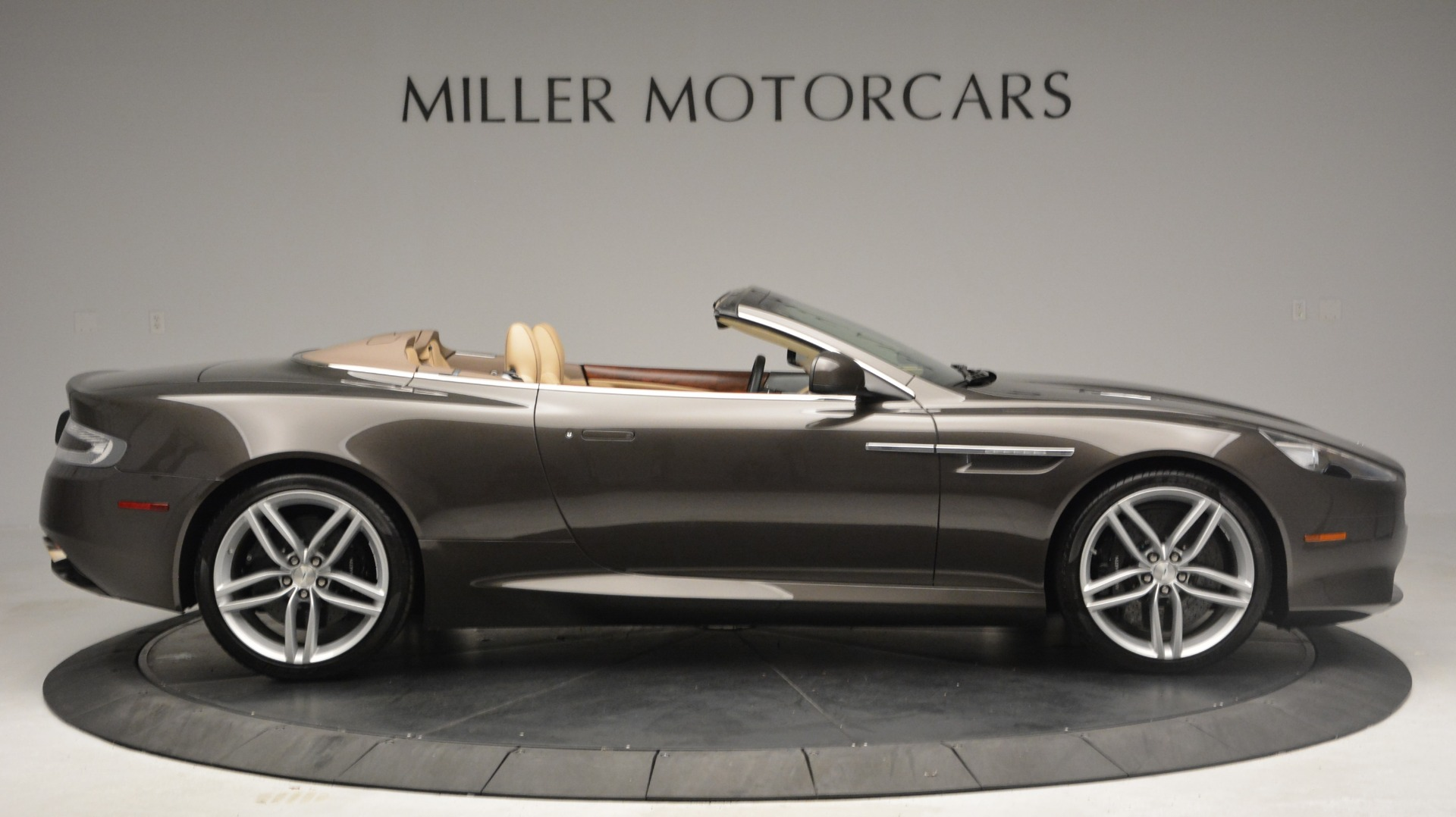 Used 2012 Aston Martin Virage Convertible For Sale In Westport, CT 3351_p9