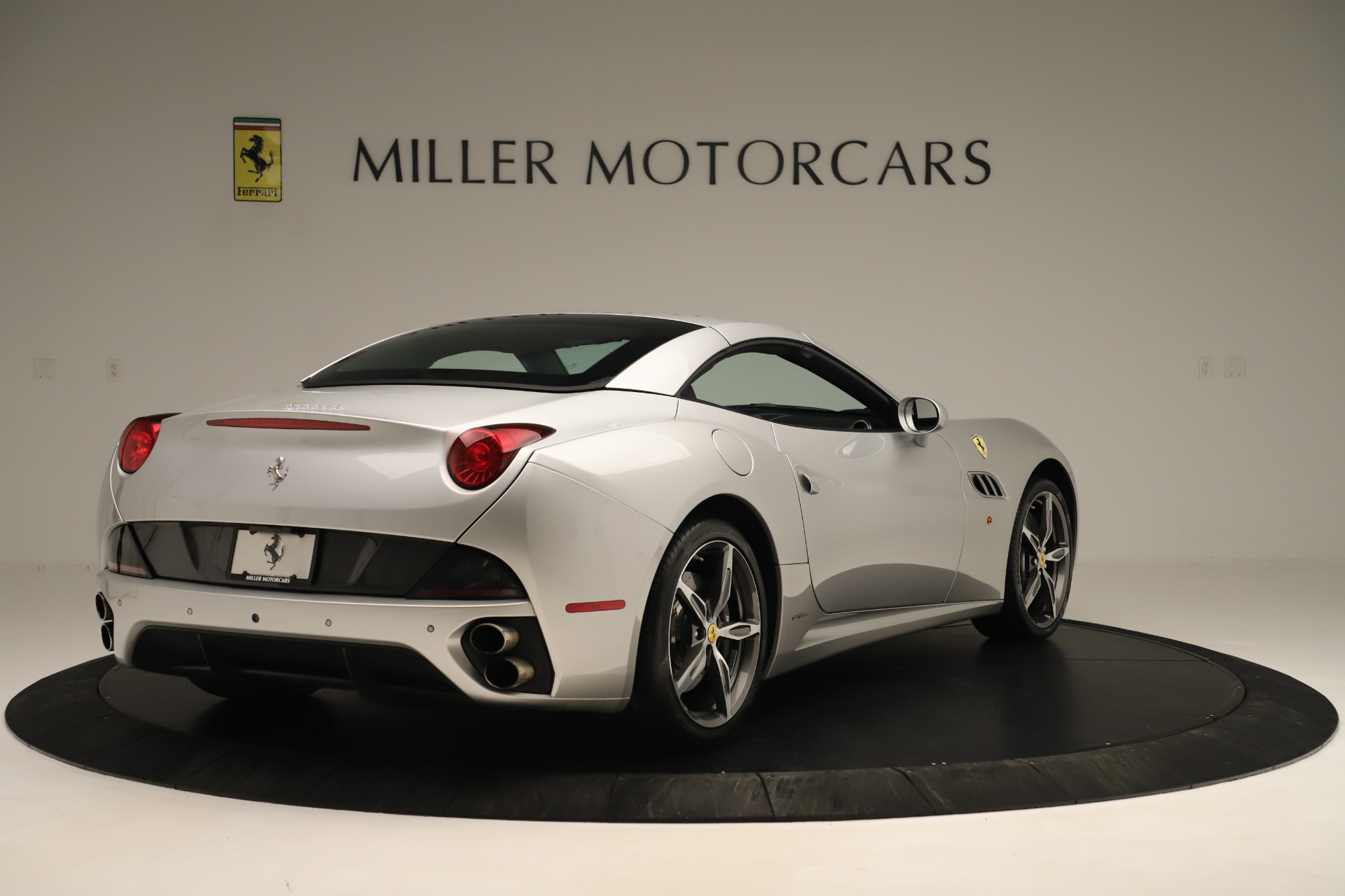 Used 2014 Ferrari California  For Sale In Westport, CT 3355_p16