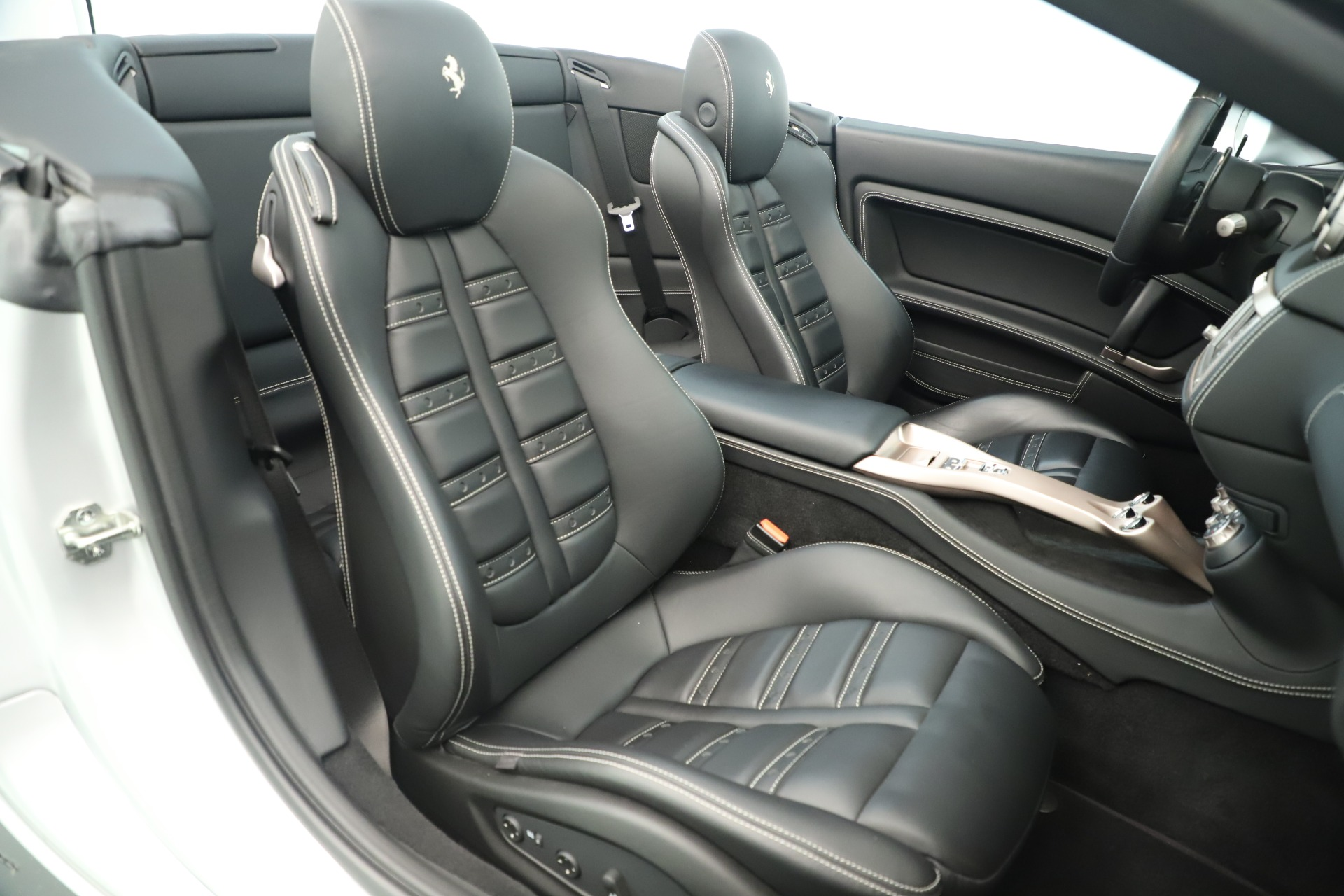 Used 2014 Ferrari California 30 For Sale In Westport, CT 3355_p27