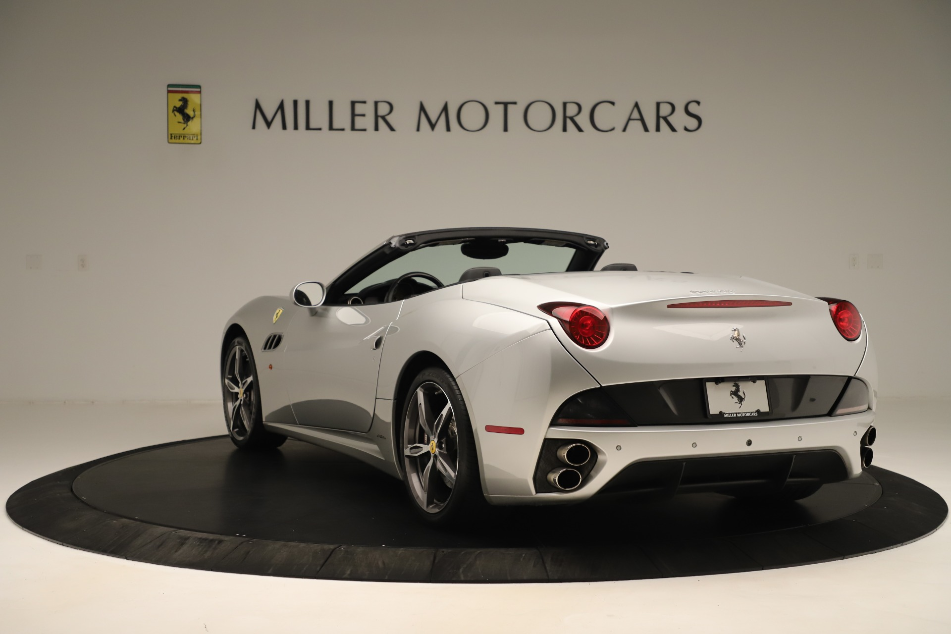 Used 2014 Ferrari California  For Sale In Westport, CT 3355_p5