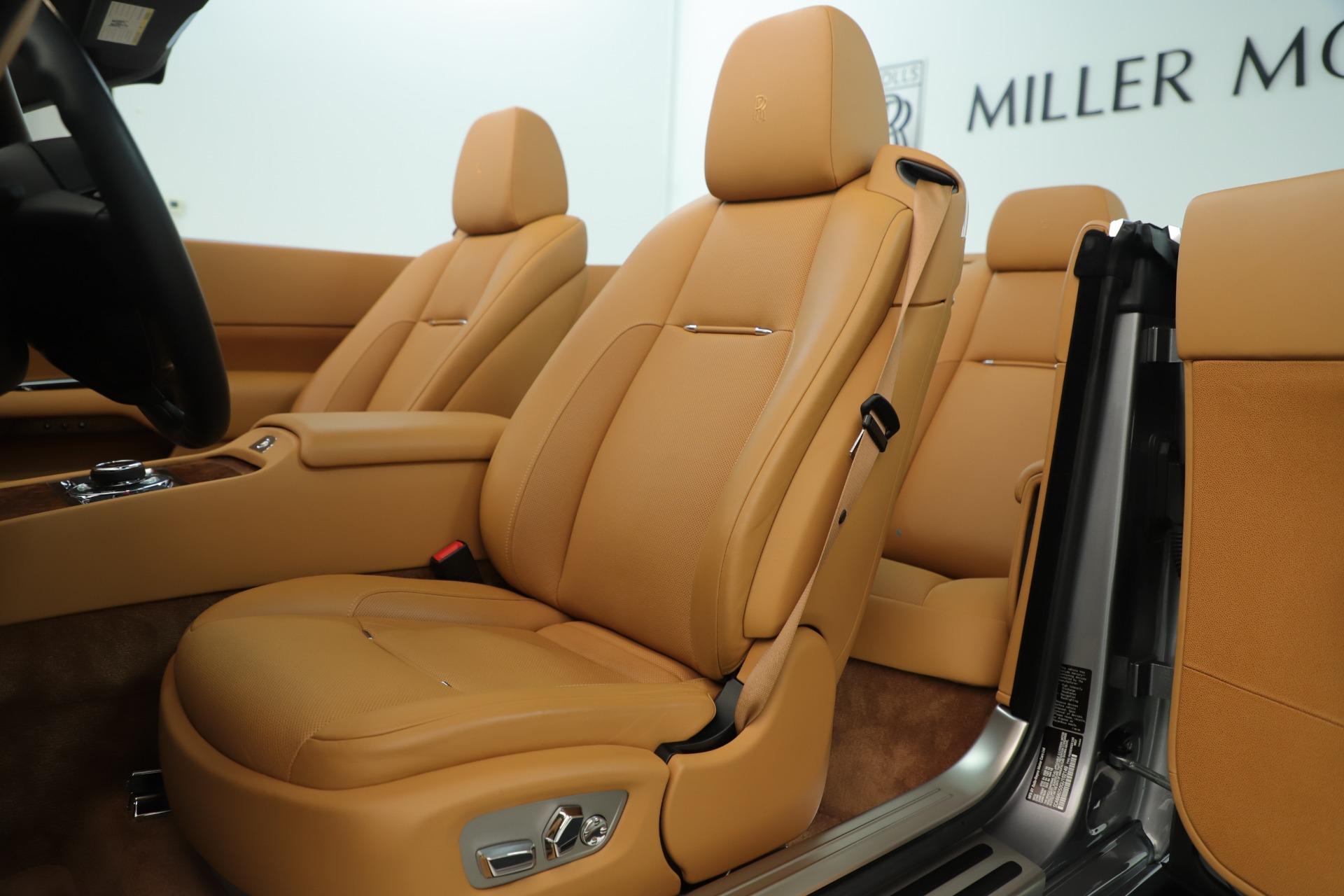 Used 2016 Rolls-Royce Dawn  For Sale In Westport, CT 3373_p16