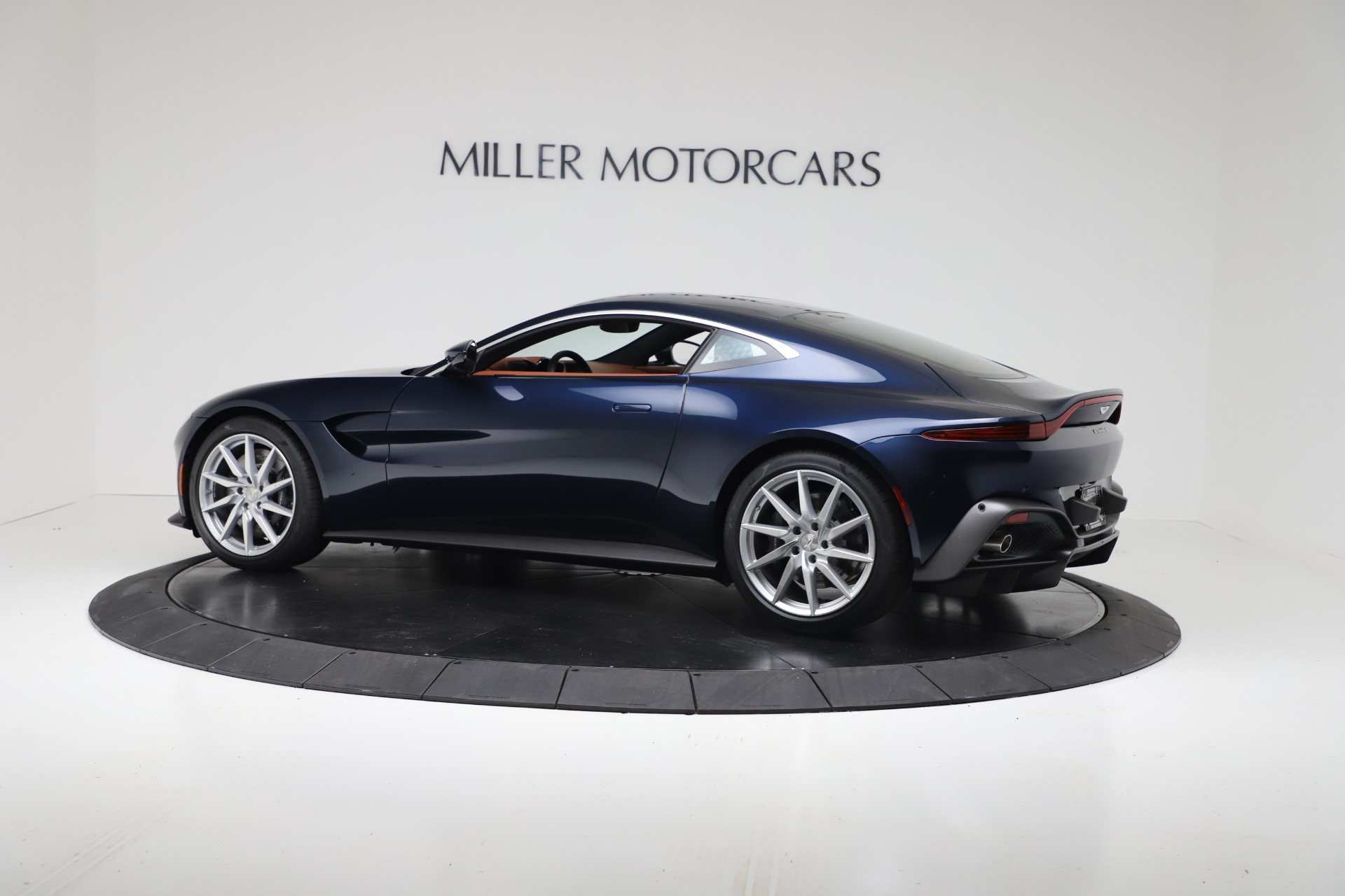 New 2020 Aston Martin Vantage V8 For Sale In Westport, CT 3378_p4