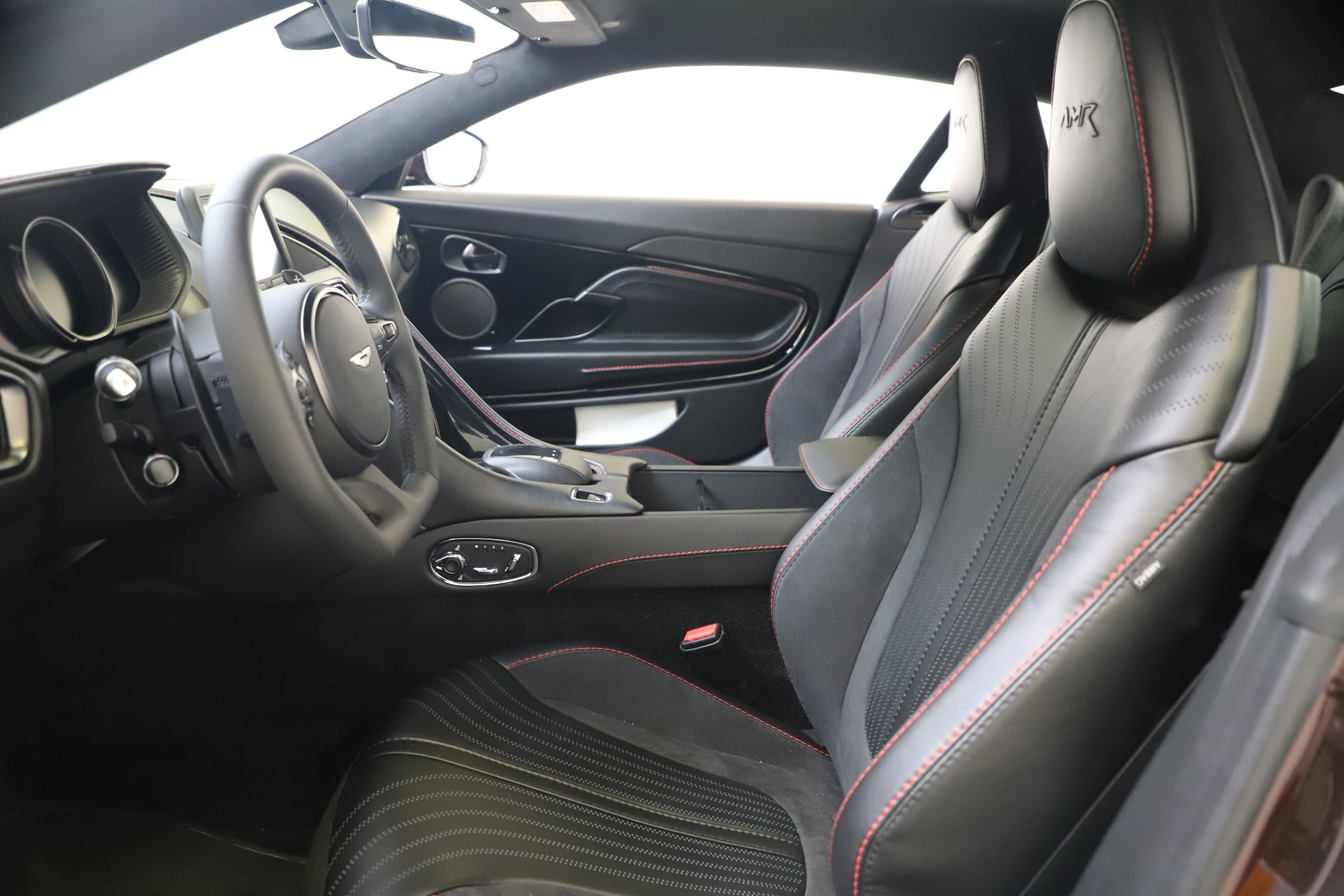 New 2019 Aston Martin DB11 V12 AMR Coupe For Sale In Westport, CT 3379_p13