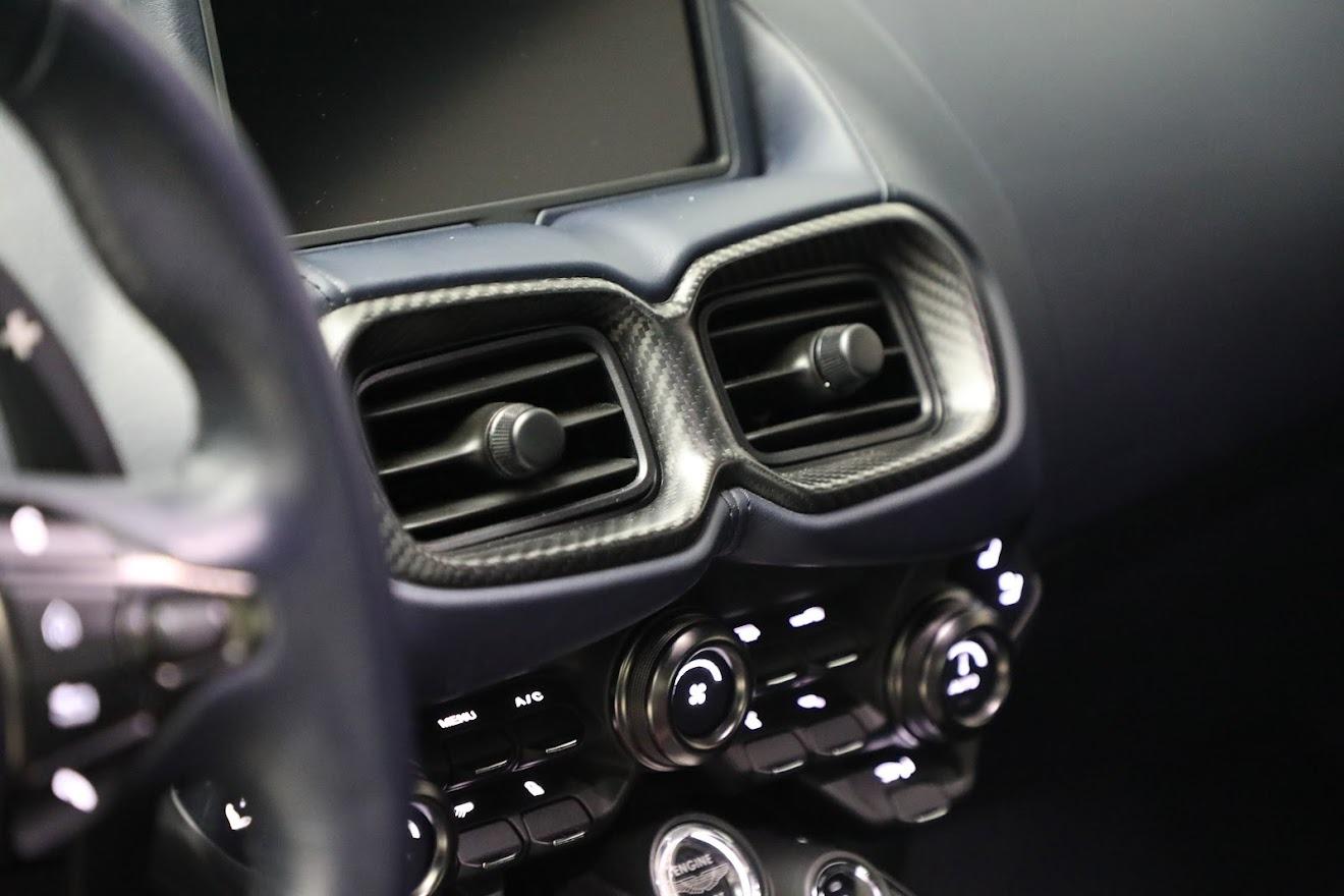 New 2020 Aston Martin Vantage  For Sale In Westport, CT 3407_p17