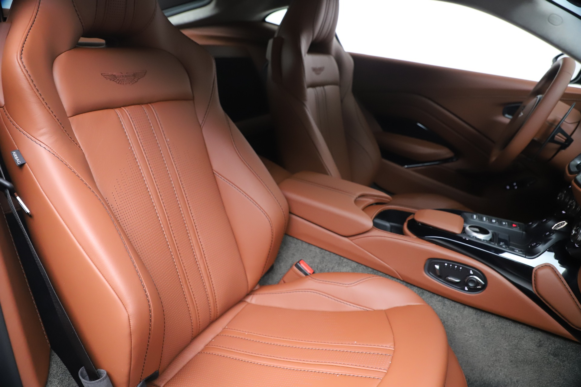 New 2020 Aston Martin Vantage Coupe For Sale In Westport, CT 3409_p19