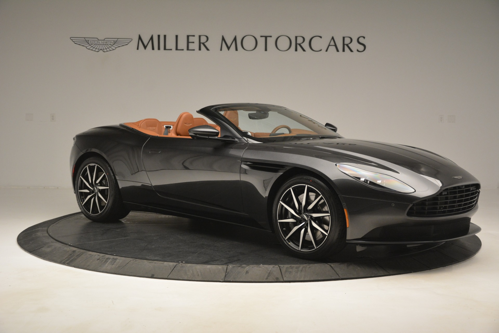 Used 2019 Aston Martin DB11 V8 Volante For Sale In Westport, CT 3434_p9
