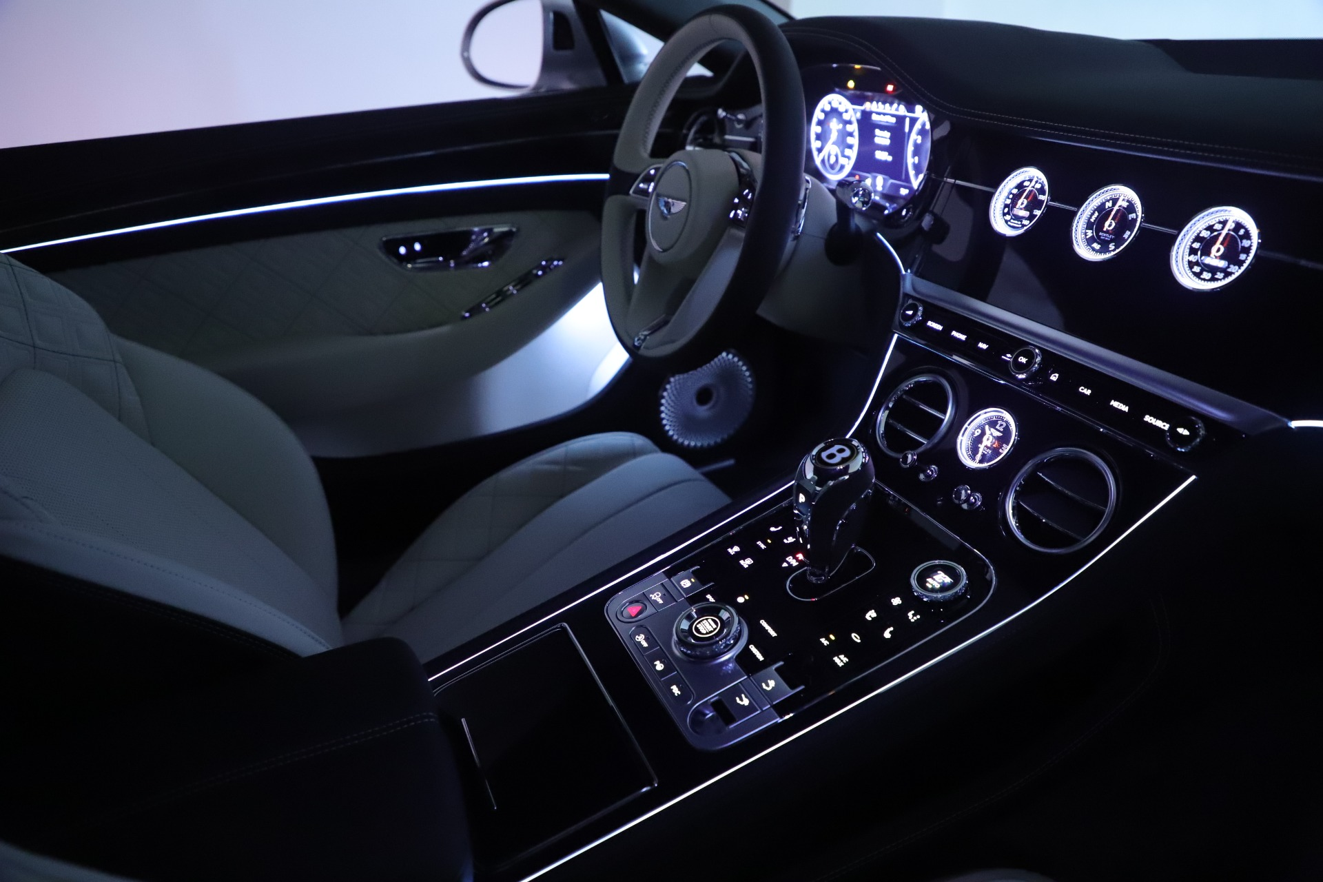 New 2020 Bentley Continental GT V8 First Edition For Sale In Westport, CT 3441_p32