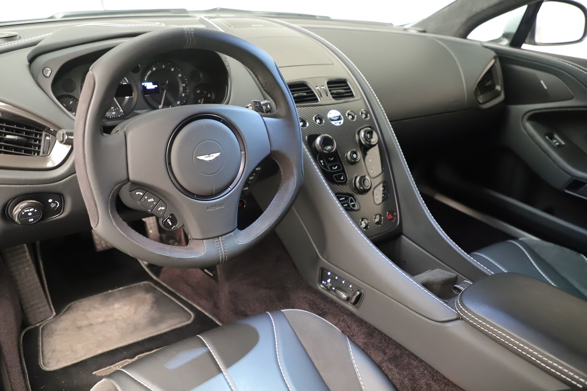 Used 2014 Aston Martin Vanquish Coupe For Sale In Westport, CT 3445_p13