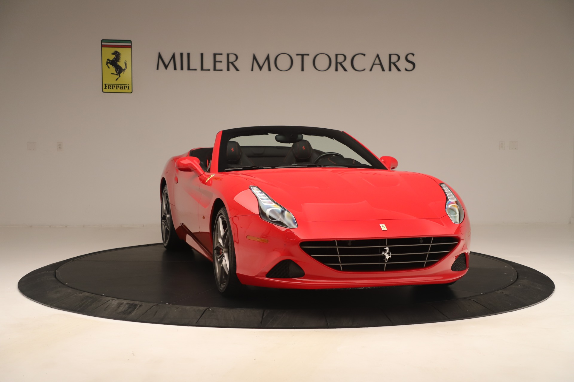 Used 2016 Ferrari California T  For Sale In Westport, CT 3446_p11