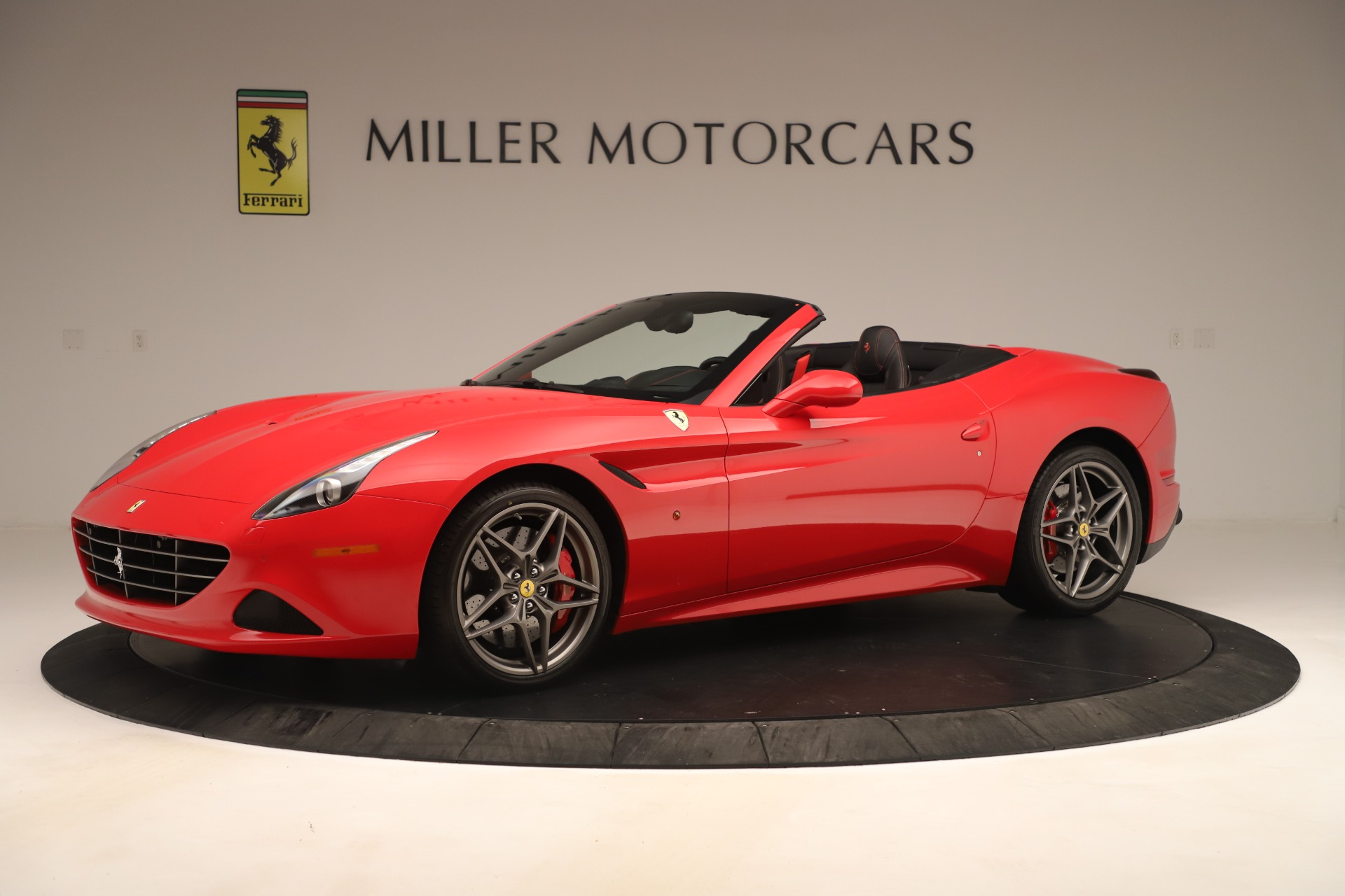 Used 2016 Ferrari California T  For Sale In Westport, CT 3446_p2