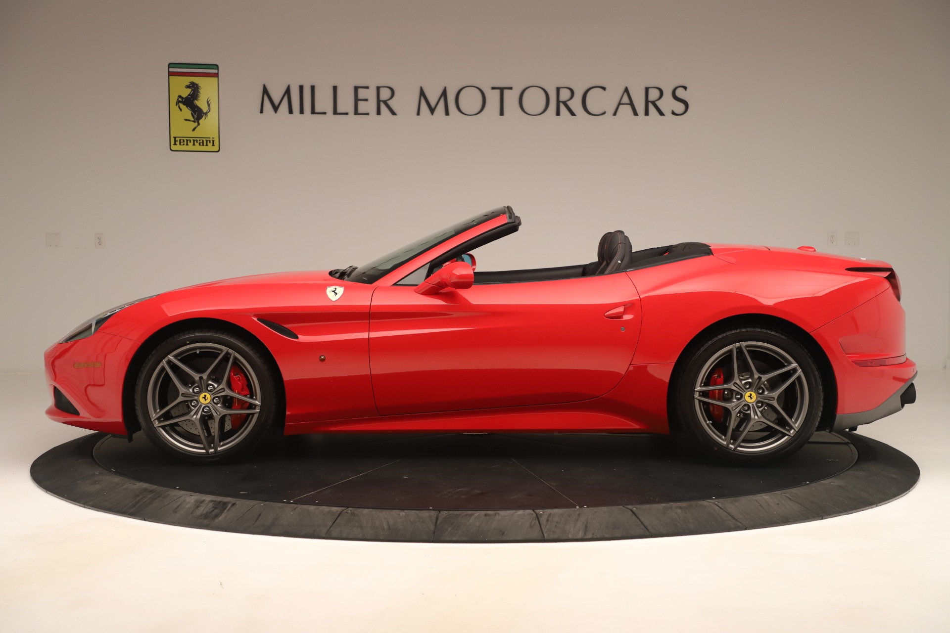 Used 2016 Ferrari California T  For Sale In Westport, CT 3446_p3