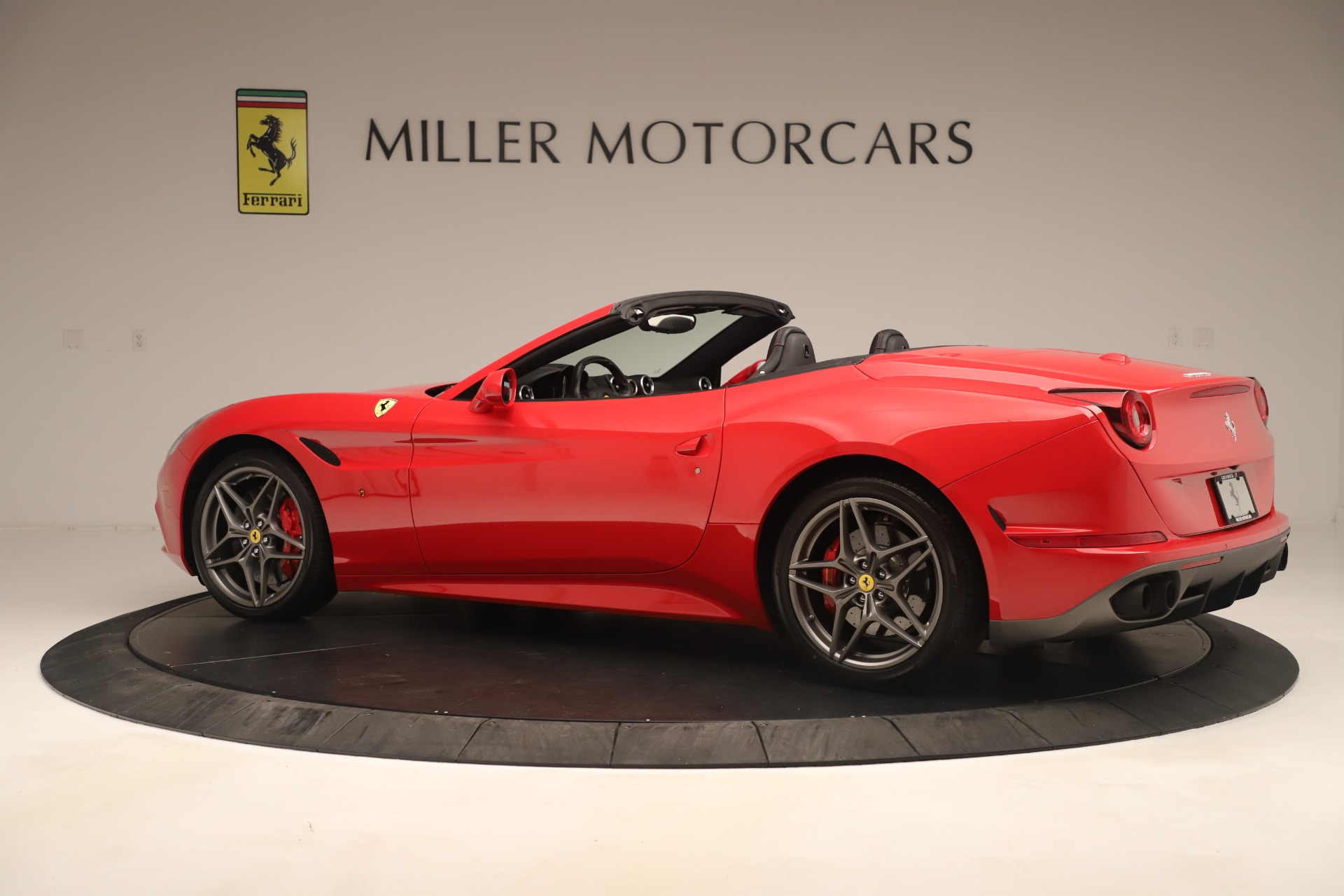 Used 2016 Ferrari California T  For Sale In Westport, CT 3446_p4