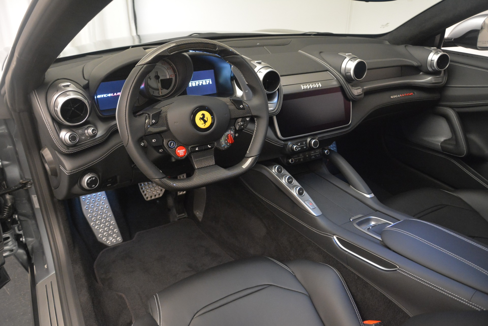 Used 2019 Ferrari GTC4LussoT V8 For Sale In Westport, CT 3447_p13