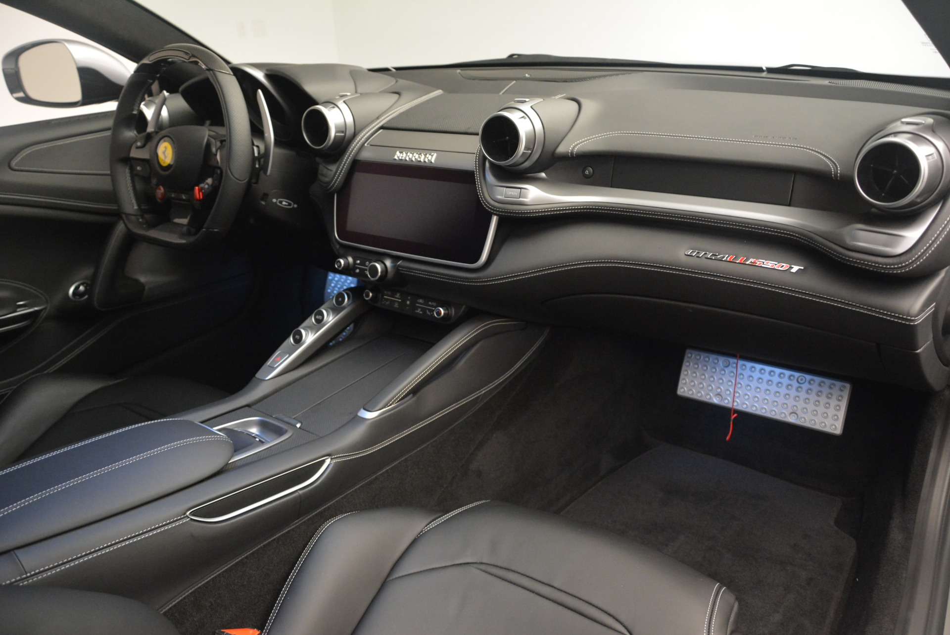 Used 2019 Ferrari GTC4LussoT V8 For Sale In Westport, CT 3447_p18