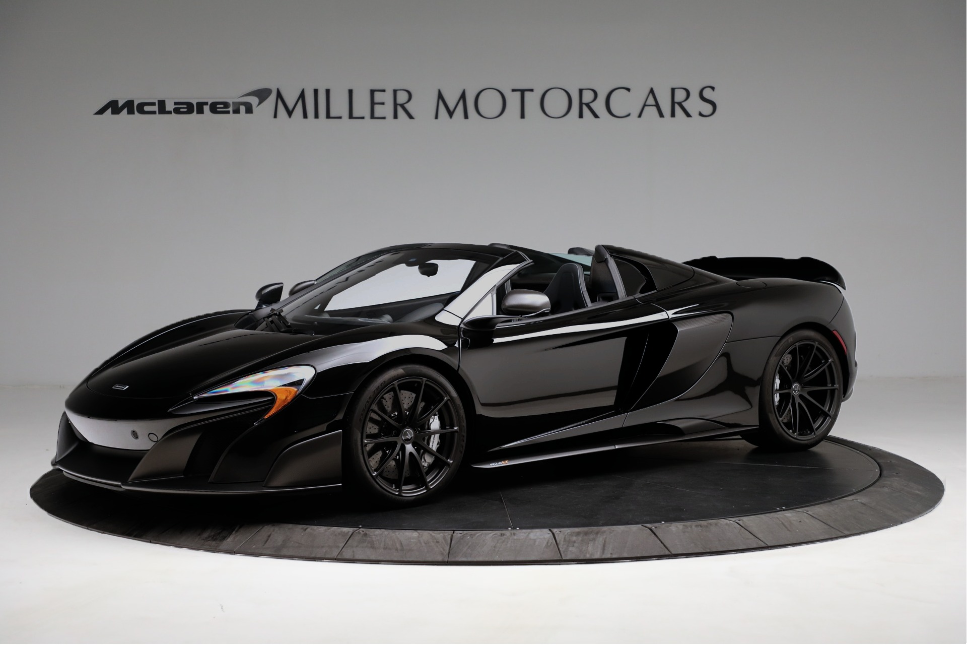 Used 2016 McLaren 675LT Spider For Sale In Westport, CT 3455_main