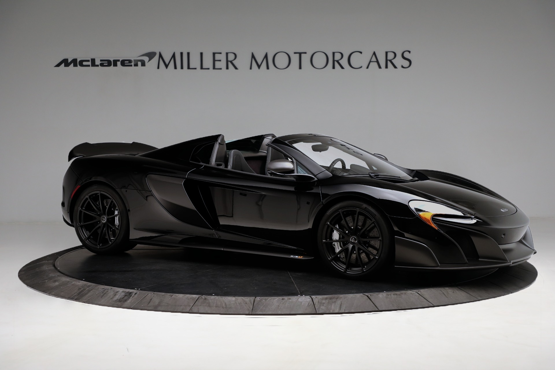 Used 2016 McLaren 675LT Spider For Sale In Westport, CT 3455_p10