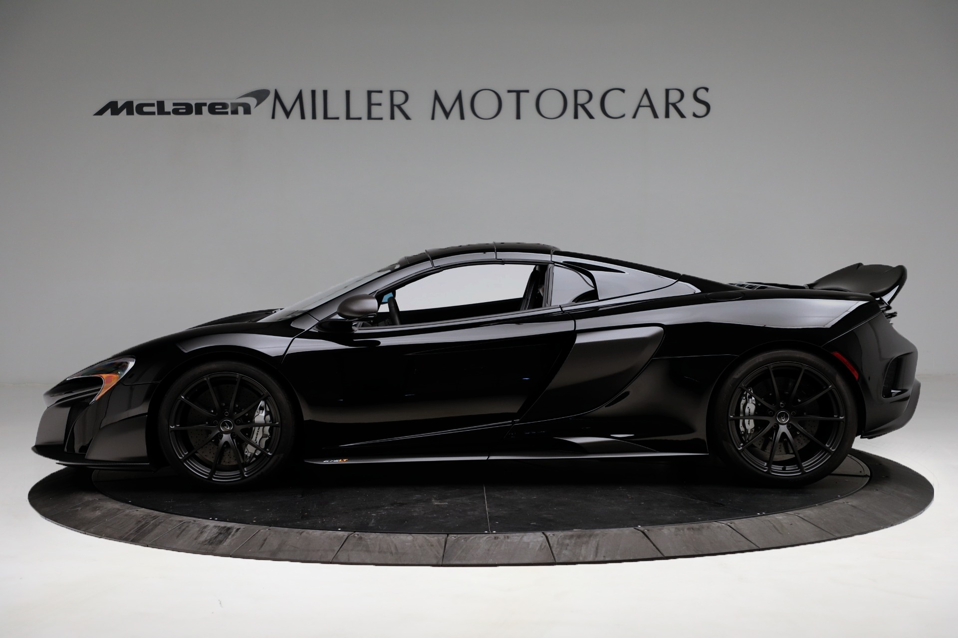 Used 2016 McLaren 675LT Spider For Sale In Westport, CT 3455_p14