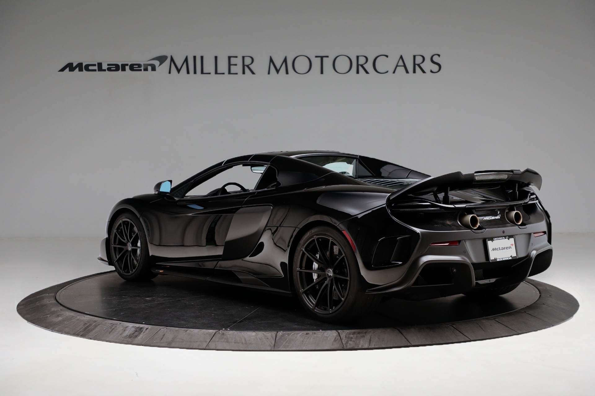 Used 2016 McLaren 675LT Spider For Sale In Westport, CT 3455_p15