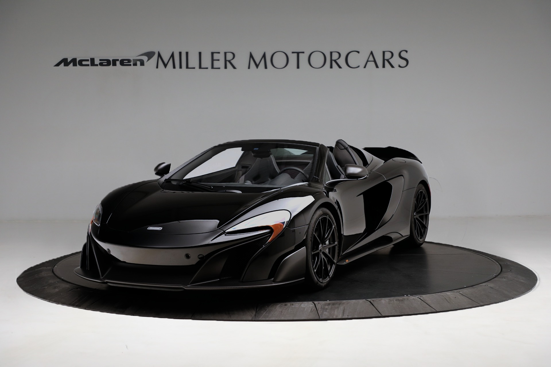 Used 2016 McLaren 675LT Spider For Sale In Westport, CT 3455_p2
