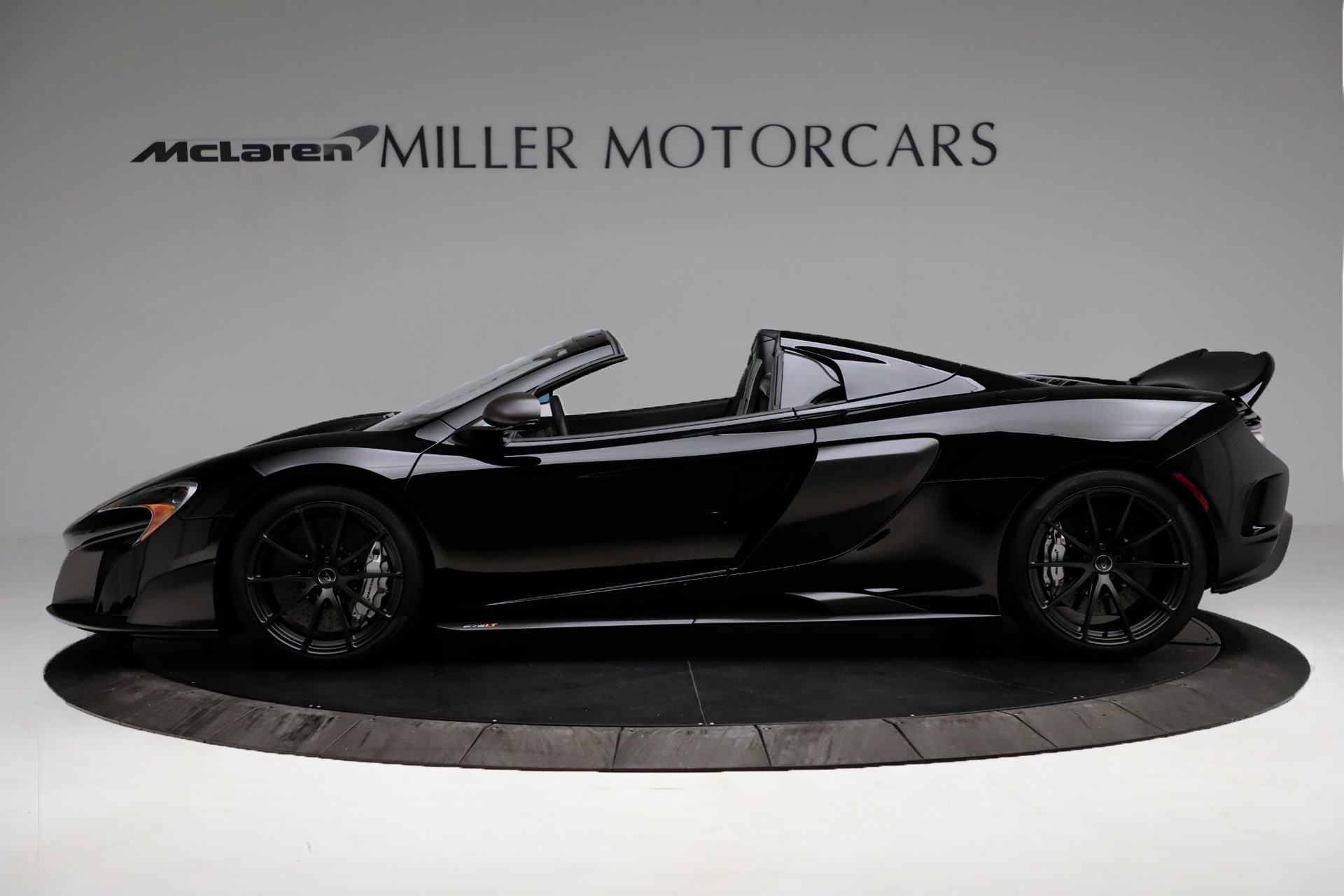 Used 2016 McLaren 675LT Spider For Sale In Westport, CT 3455_p3