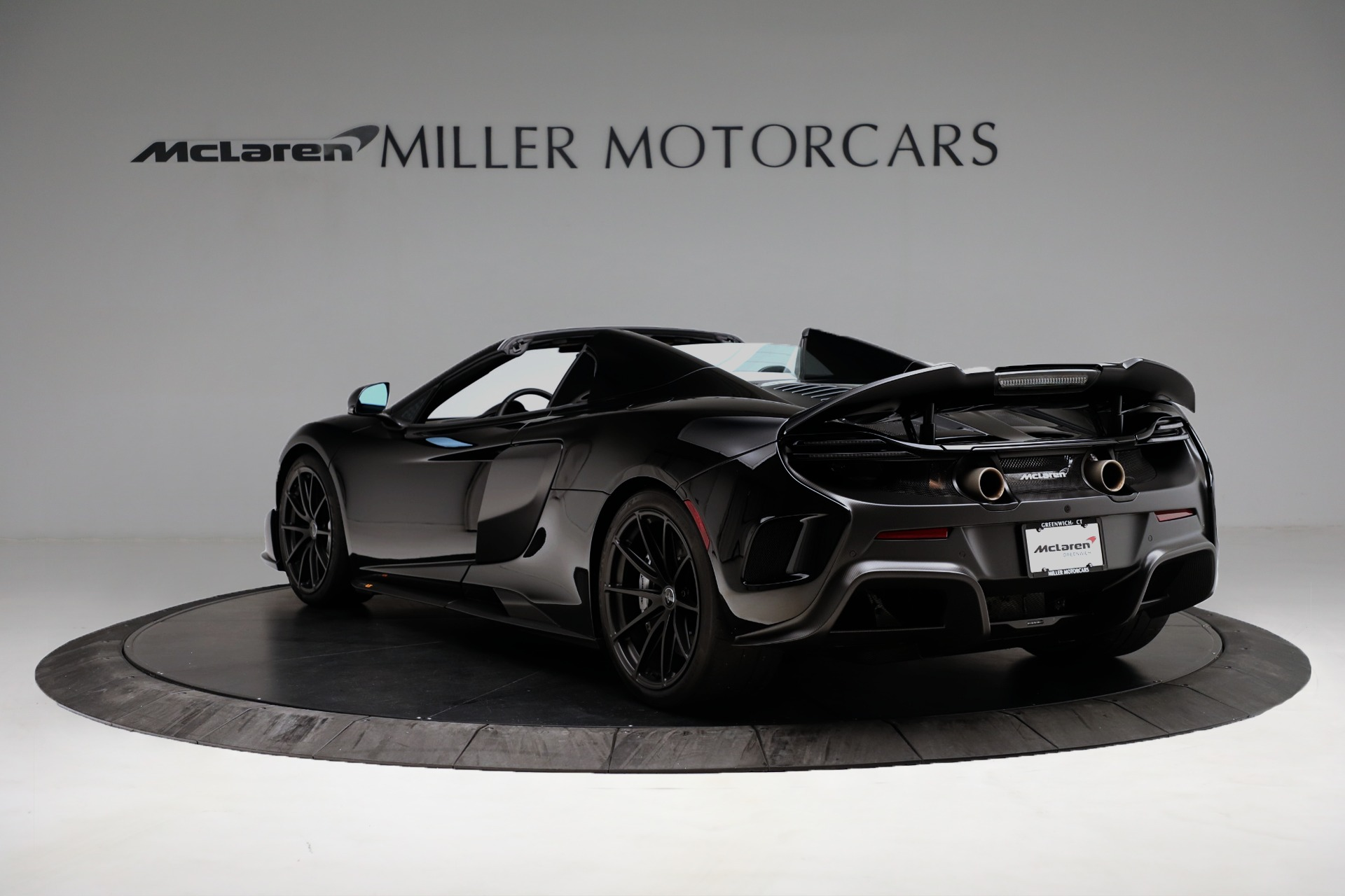 Used 2016 McLaren 675LT Spider For Sale In Westport, CT 3455_p5