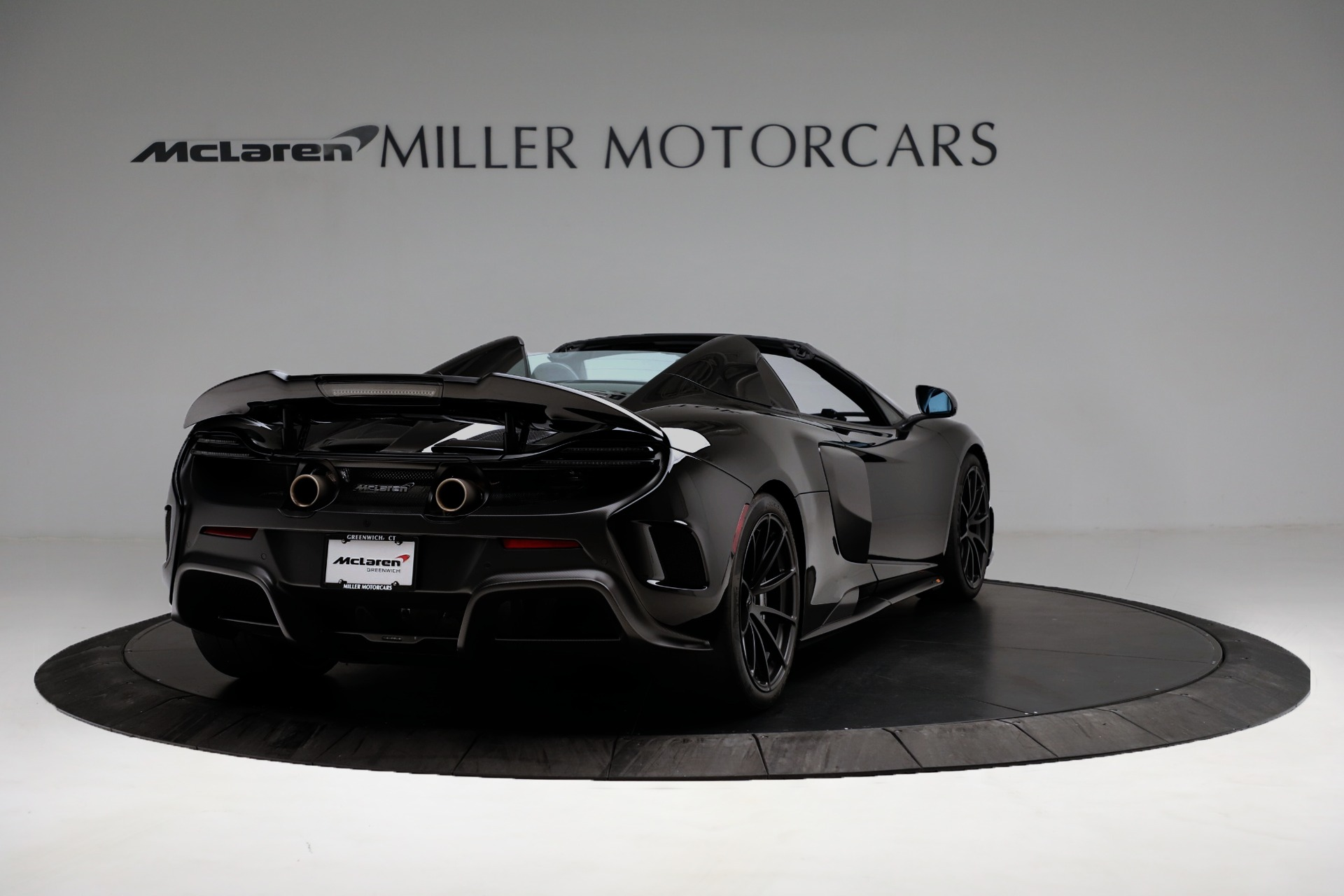 Used 2016 McLaren 675LT Spider For Sale In Westport, CT 3455_p7