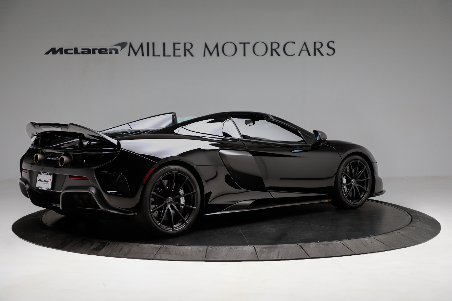 Used 2016 McLaren 675LT Spider For Sale In Westport, CT 3455_p8
