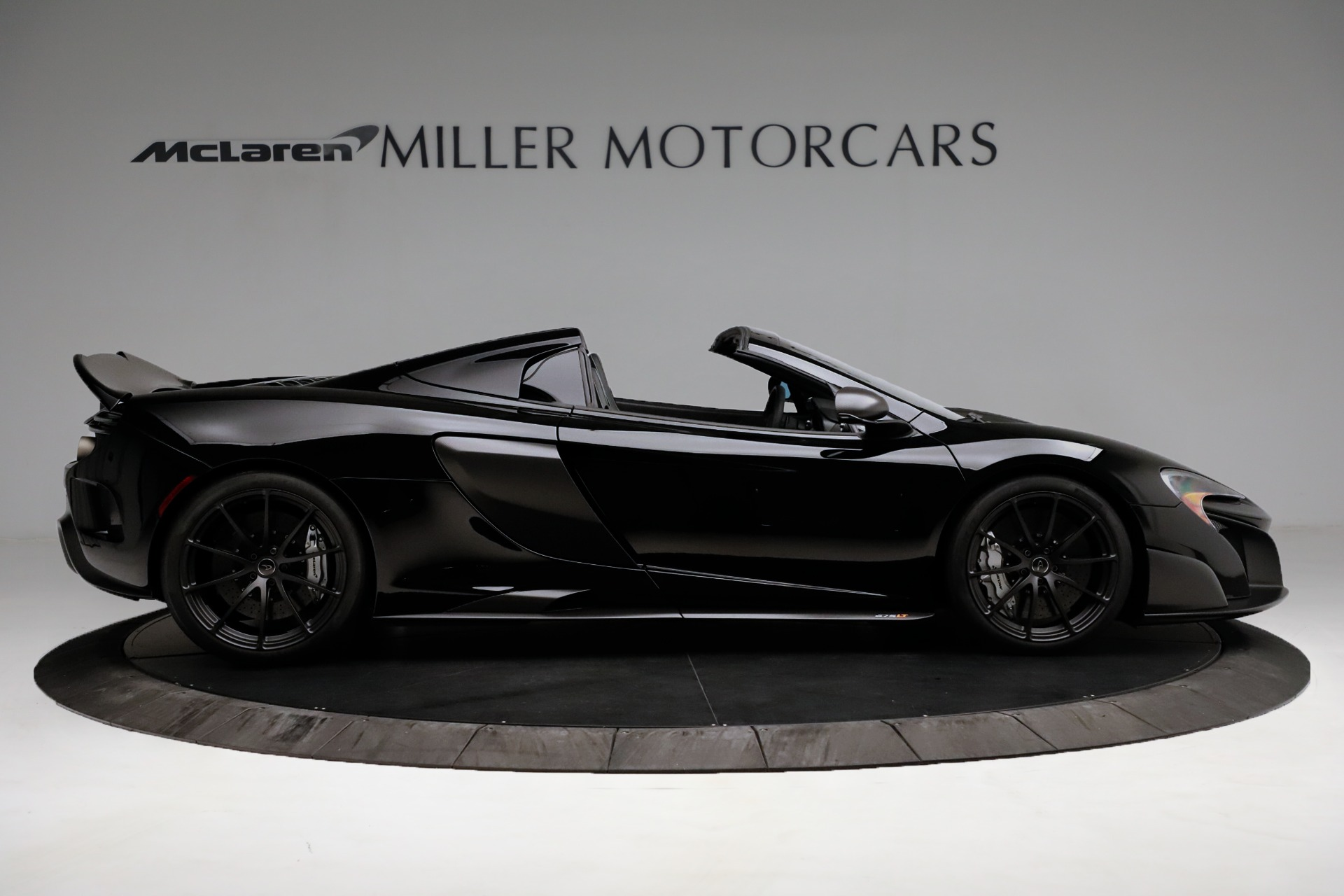Used 2016 McLaren 675LT Spider For Sale In Westport, CT 3455_p9