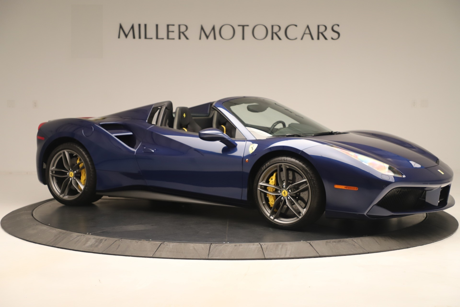 Used 2018 Ferrari 488 Spider  For Sale In Westport, CT 3465_p10