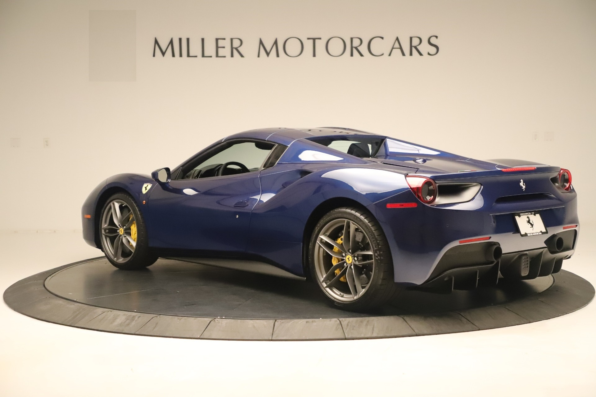Used 2018 Ferrari 488 Spider  For Sale In Westport, CT 3465_p15