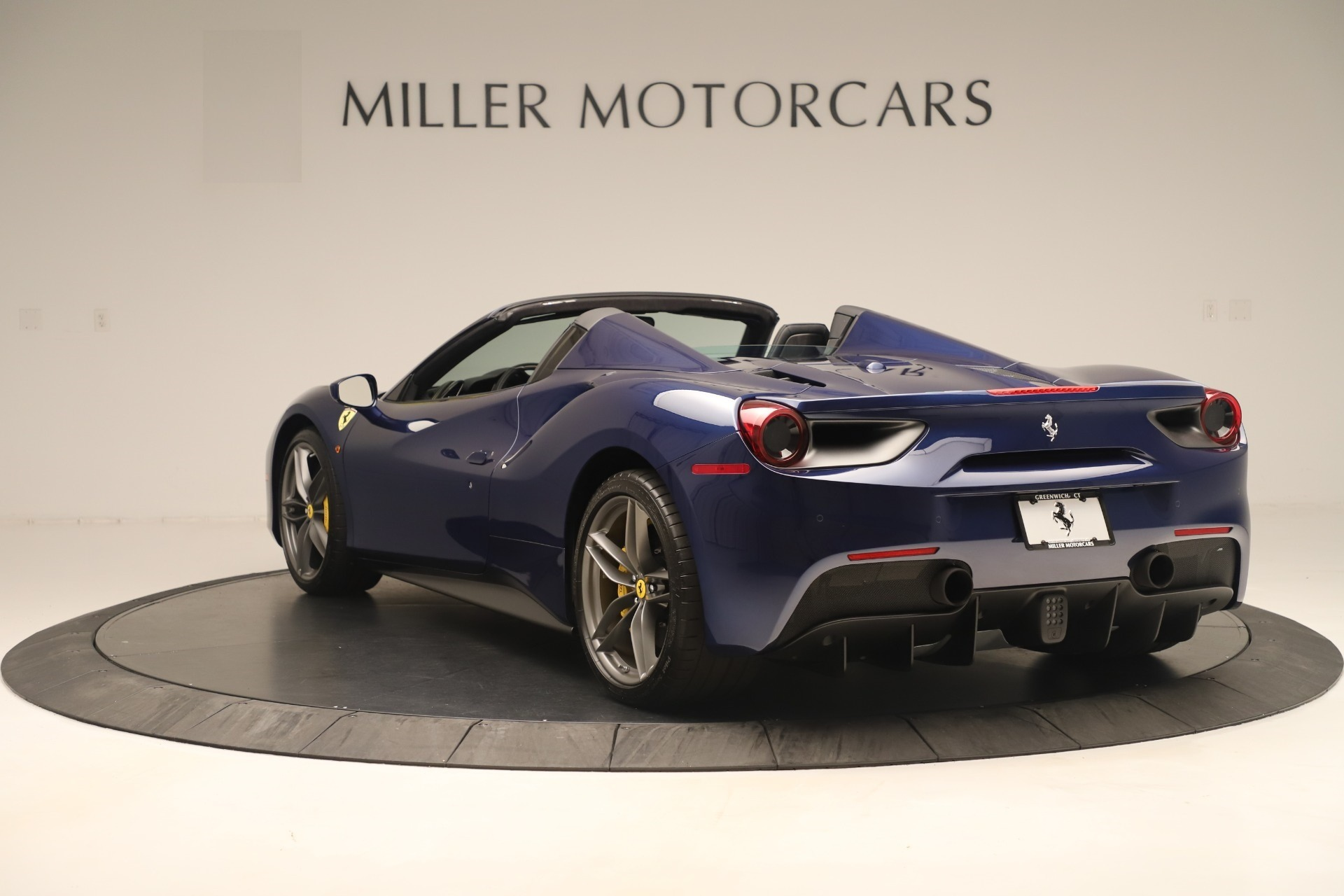 Used 2018 Ferrari 488 Spider  For Sale In Westport, CT 3465_p5