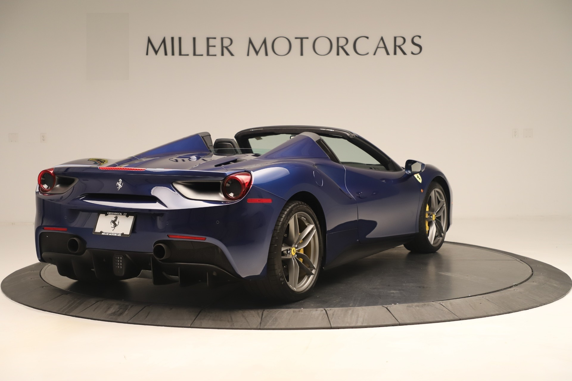 Used 2018 Ferrari 488 Spider  For Sale In Westport, CT 3465_p7