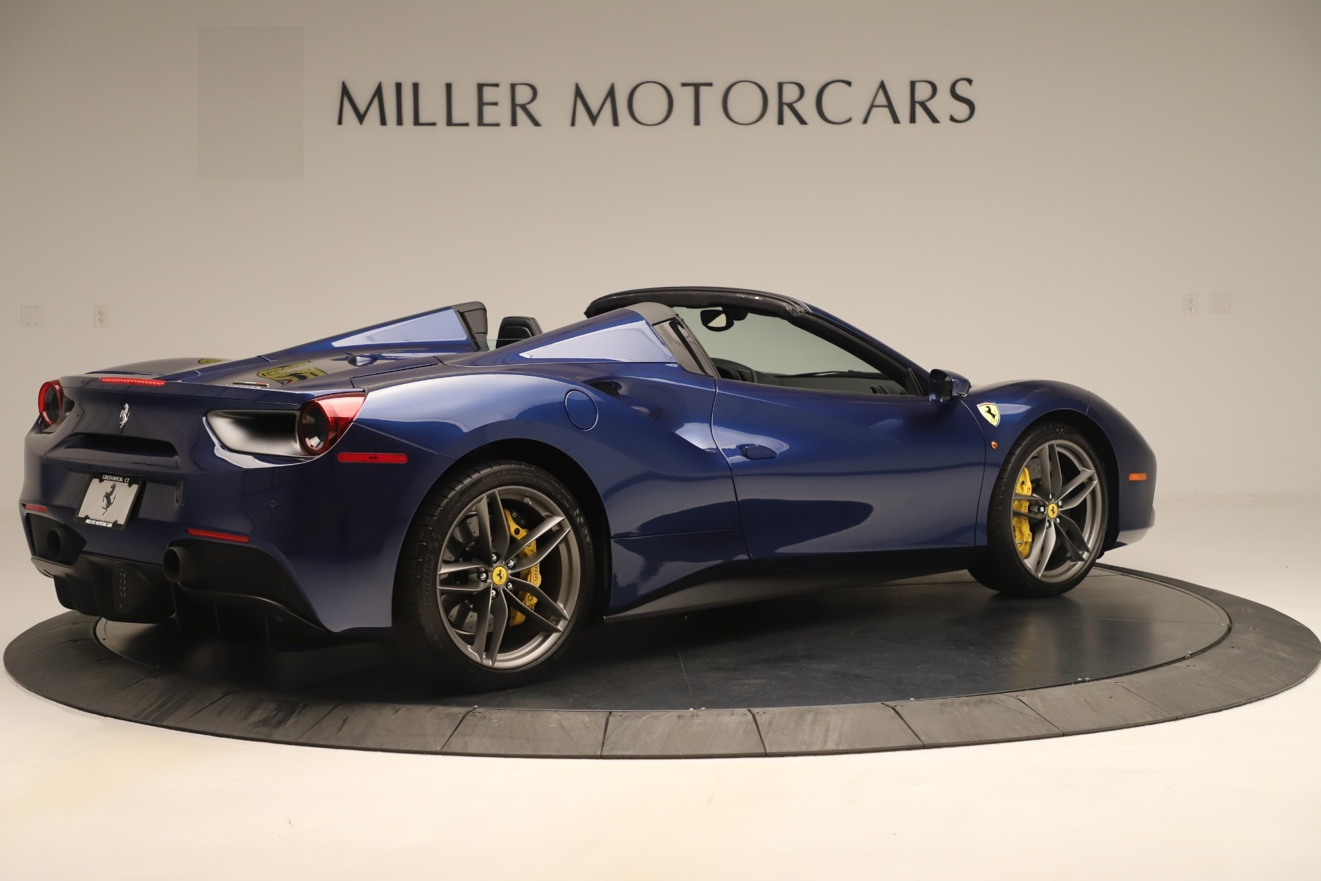 Used 2018 Ferrari 488 Spider  For Sale In Westport, CT 3465_p8