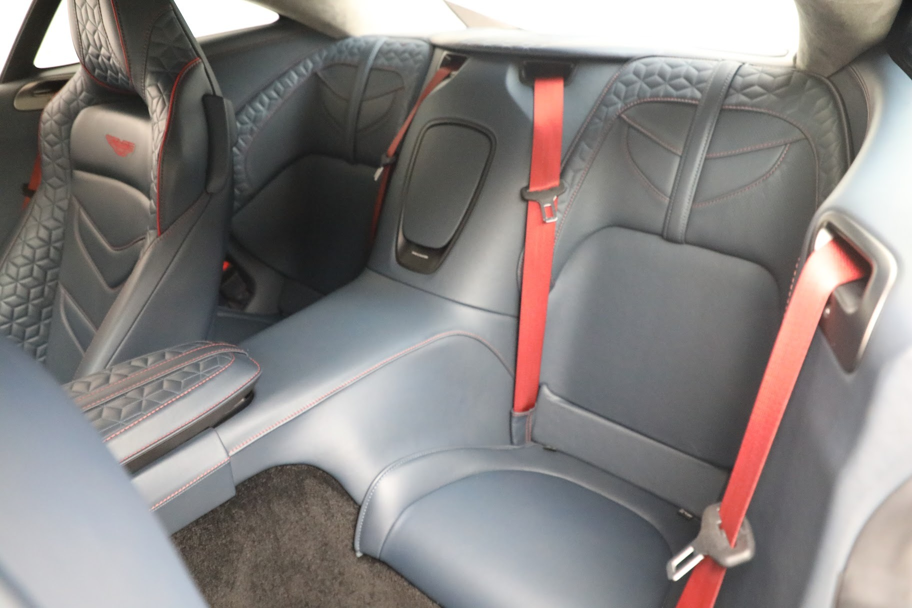 Used 2019 Aston Martin DBS Superleggera For Sale In Westport, CT 3471_p16
