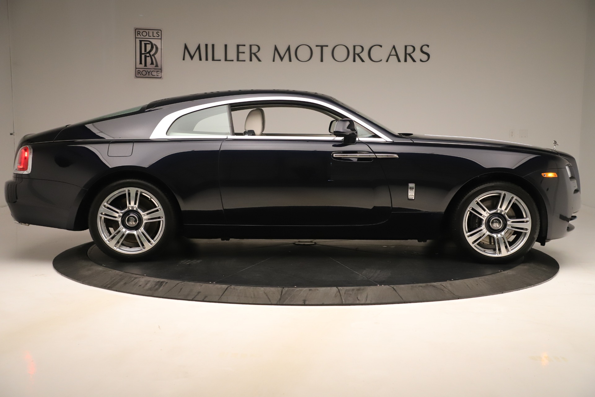 Used 2015 Rolls-Royce Wraith  For Sale In Westport, CT 3473_p10