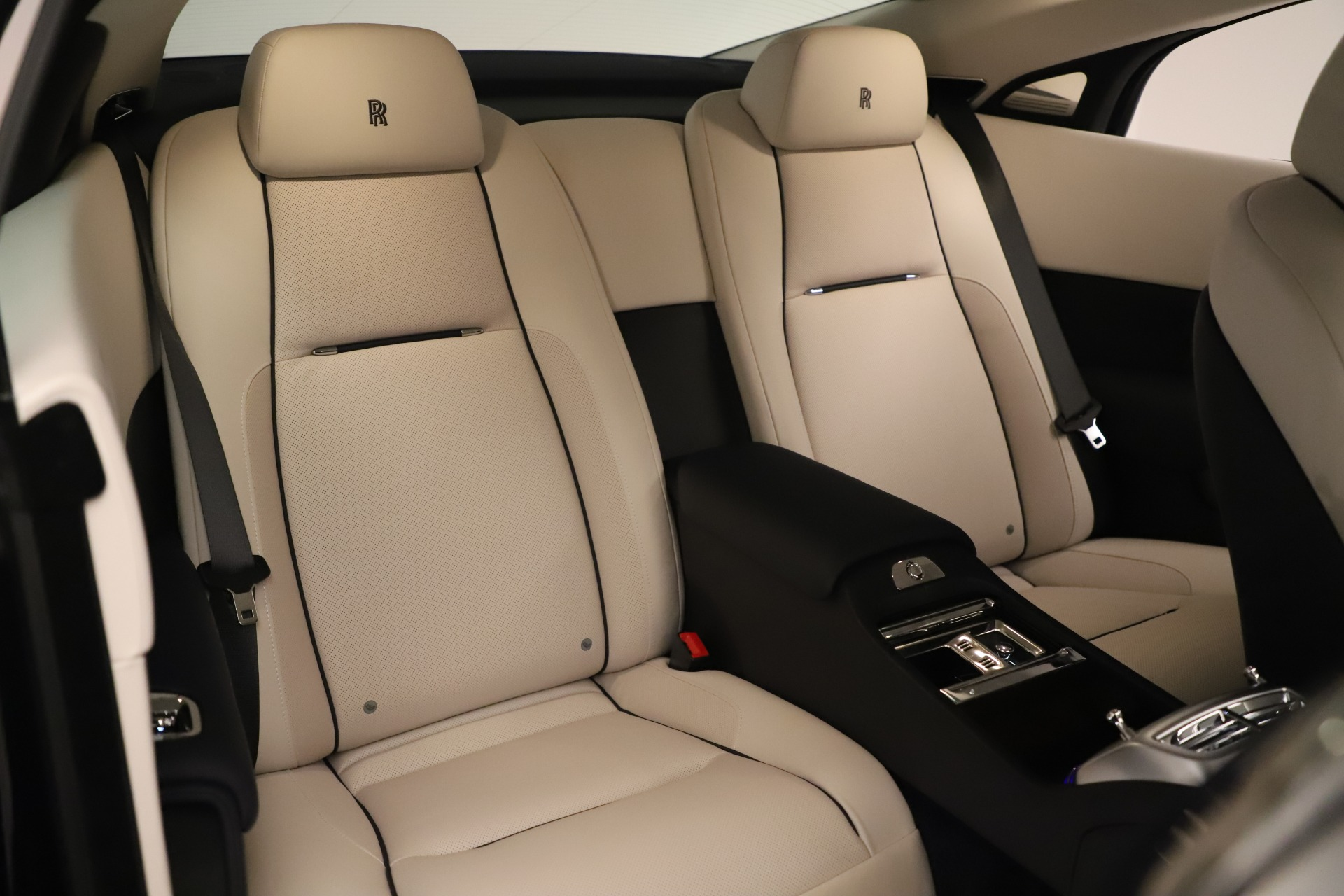 Used 2015 Rolls-Royce Wraith  For Sale In Westport, CT 3473_p17