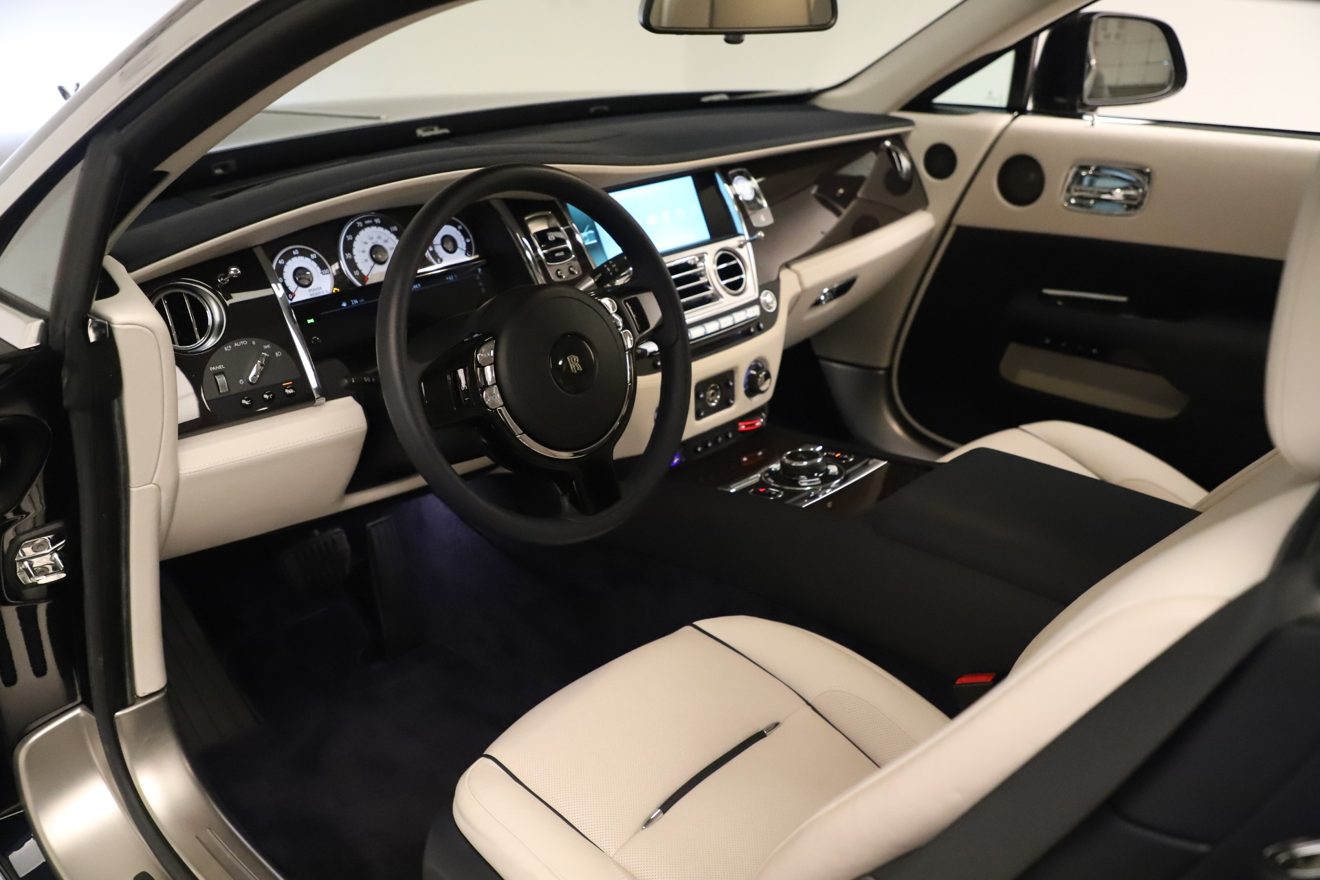 Used 2015 Rolls-Royce Wraith  For Sale In Westport, CT 3473_p18