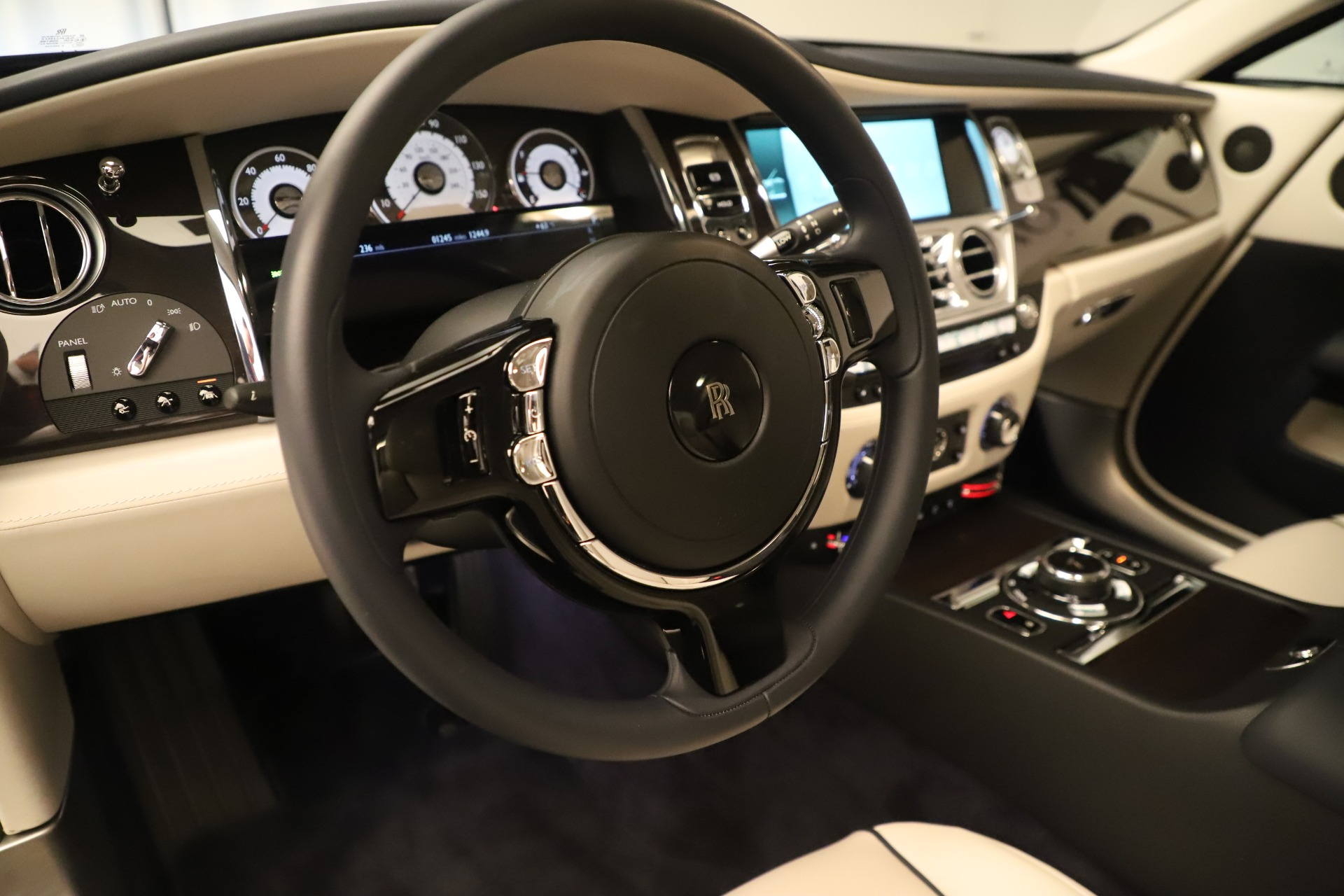 Used 2015 Rolls-Royce Wraith  For Sale In Westport, CT 3473_p19