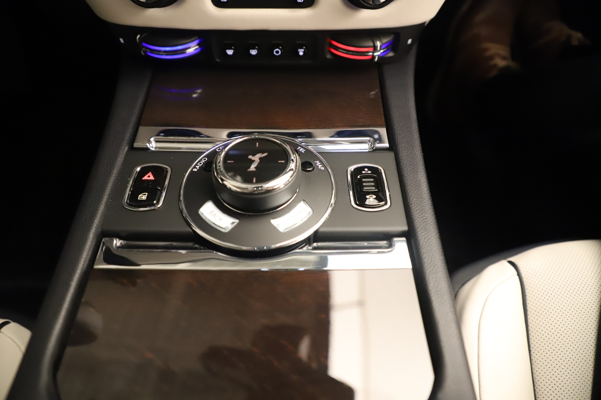 Used 2015 Rolls-Royce Wraith  For Sale In Westport, CT 3473_p21
