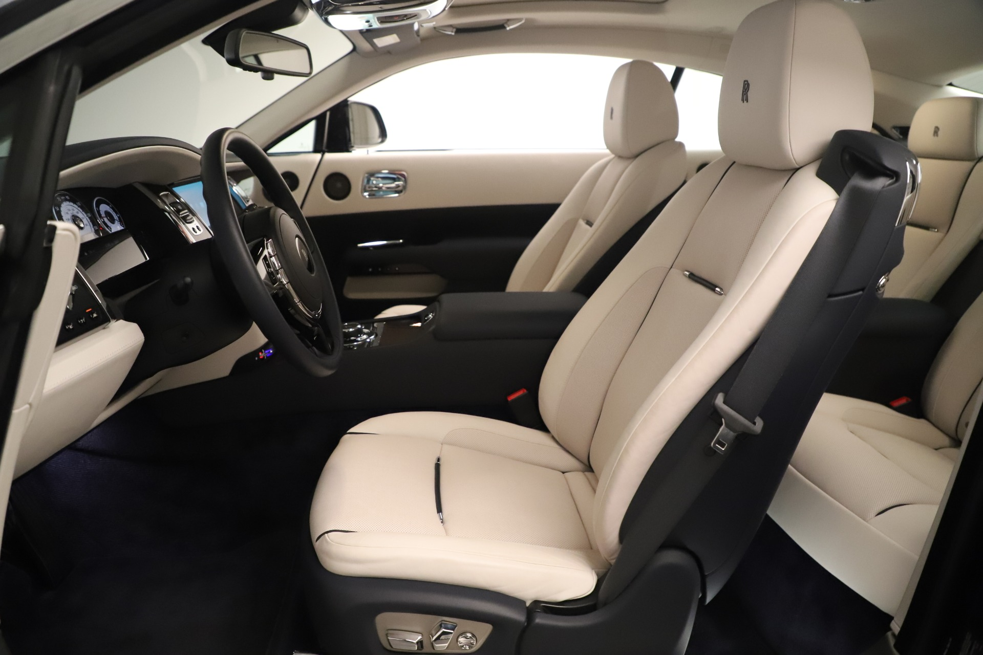 Used 2015 Rolls-Royce Wraith  For Sale In Westport, CT 3473_p25