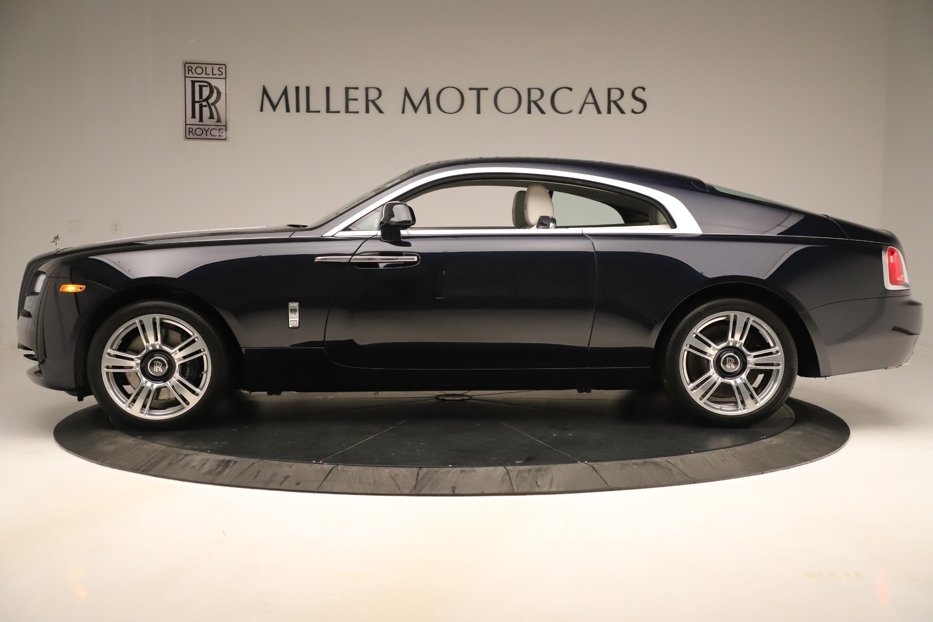 Used 2015 Rolls-Royce Wraith  For Sale In Westport, CT 3473_p4