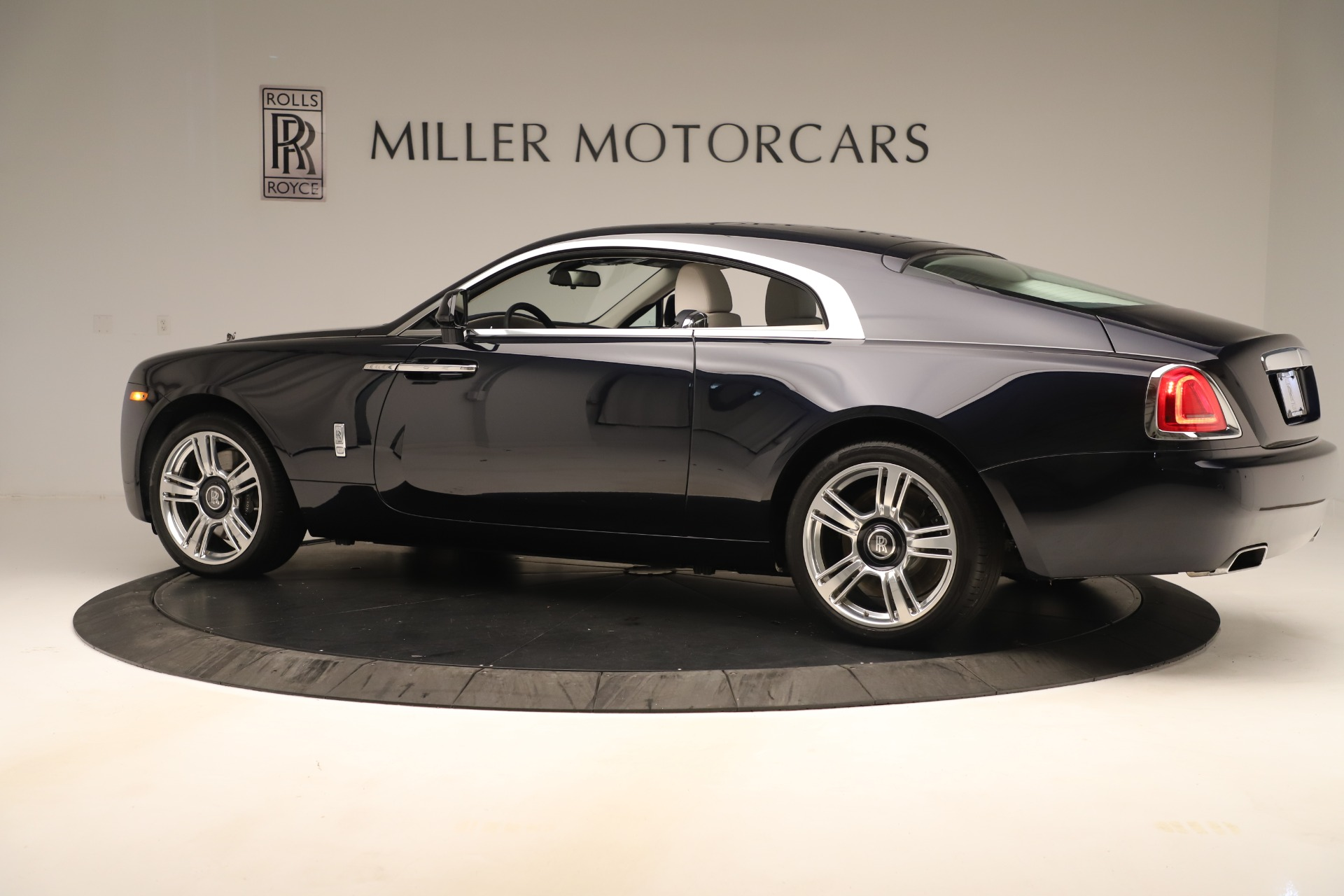 Used 2015 Rolls-Royce Wraith  For Sale In Westport, CT 3473_p5