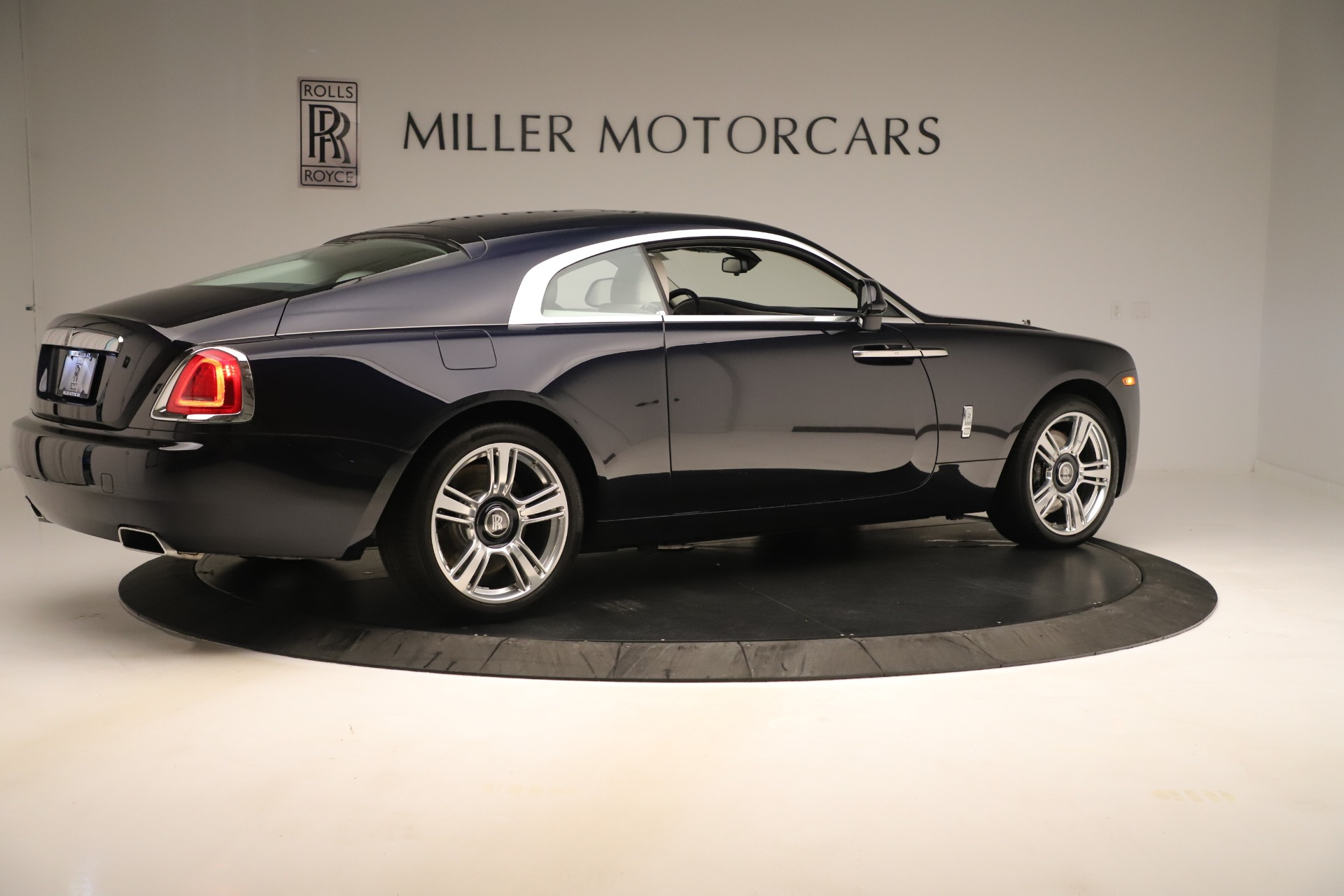 Used 2015 Rolls-Royce Wraith  For Sale In Westport, CT 3473_p9