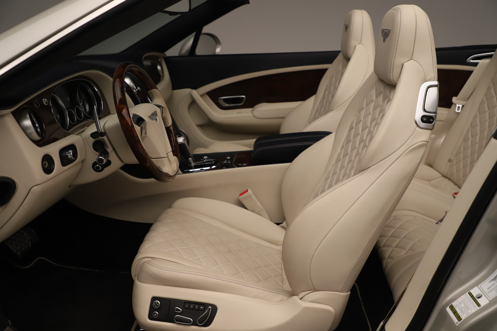 Used 2016 Bentley Continental GT W12 For Sale In Westport, CT 3475_p24