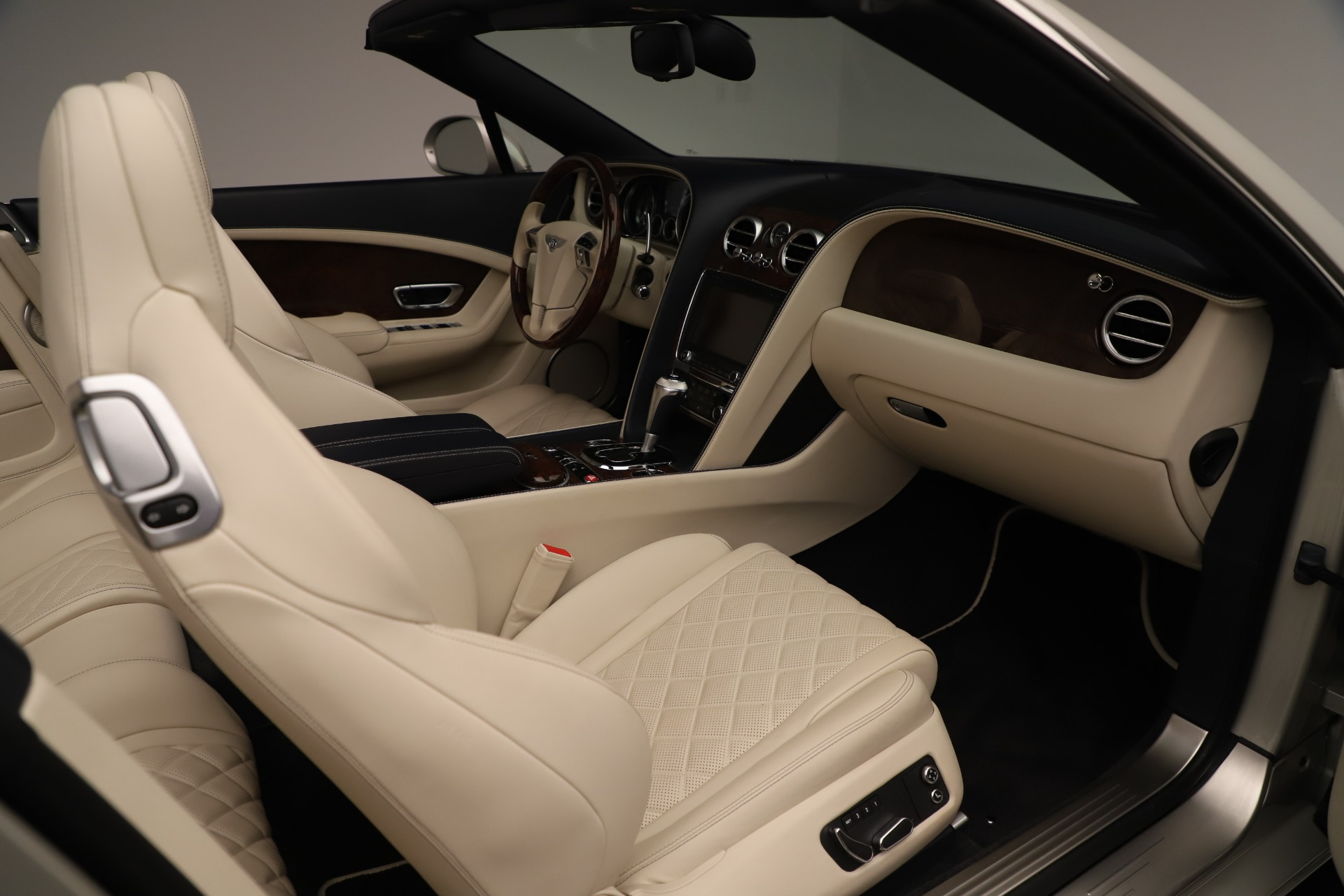 Used 2016 Bentley Continental GT W12 For Sale In Westport, CT 3475_p30